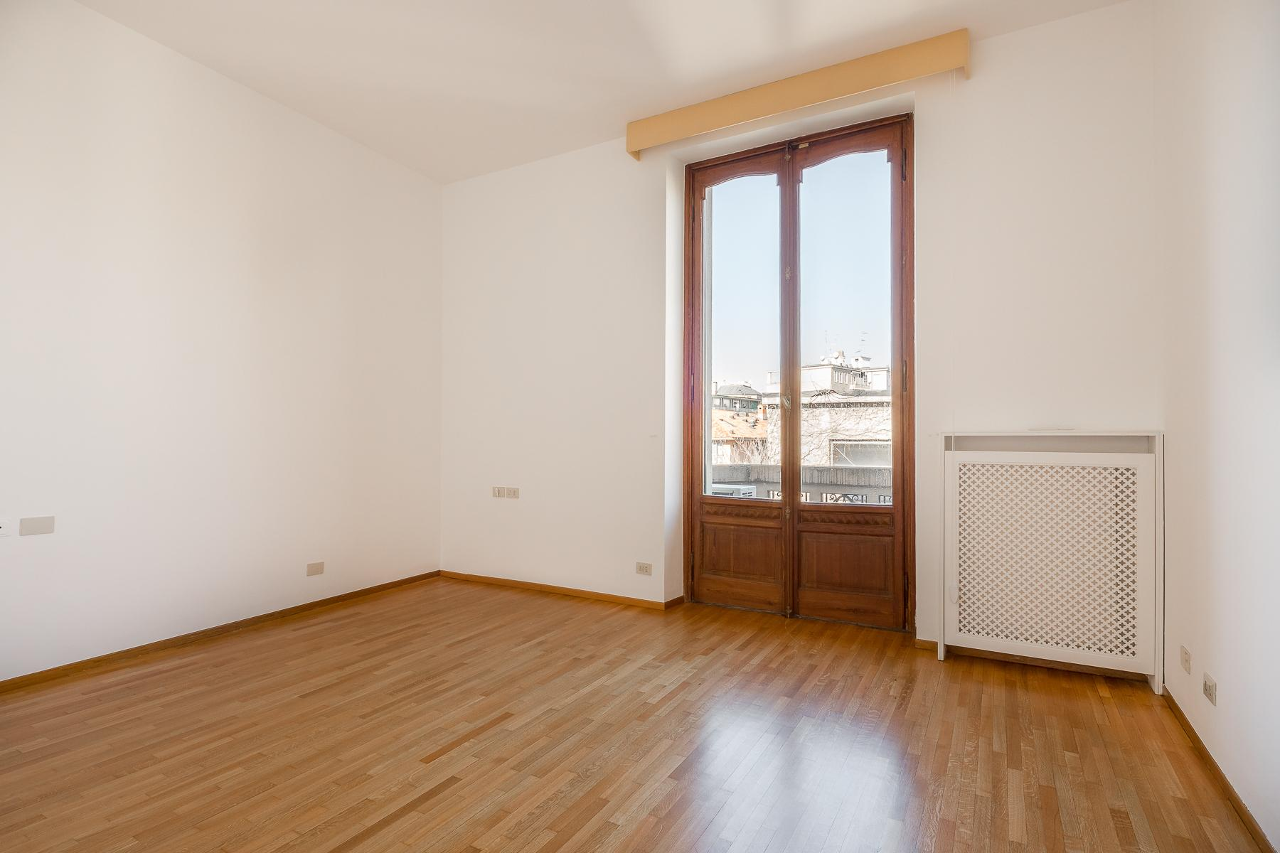 Inviting apartment with terrace in a period building - 17