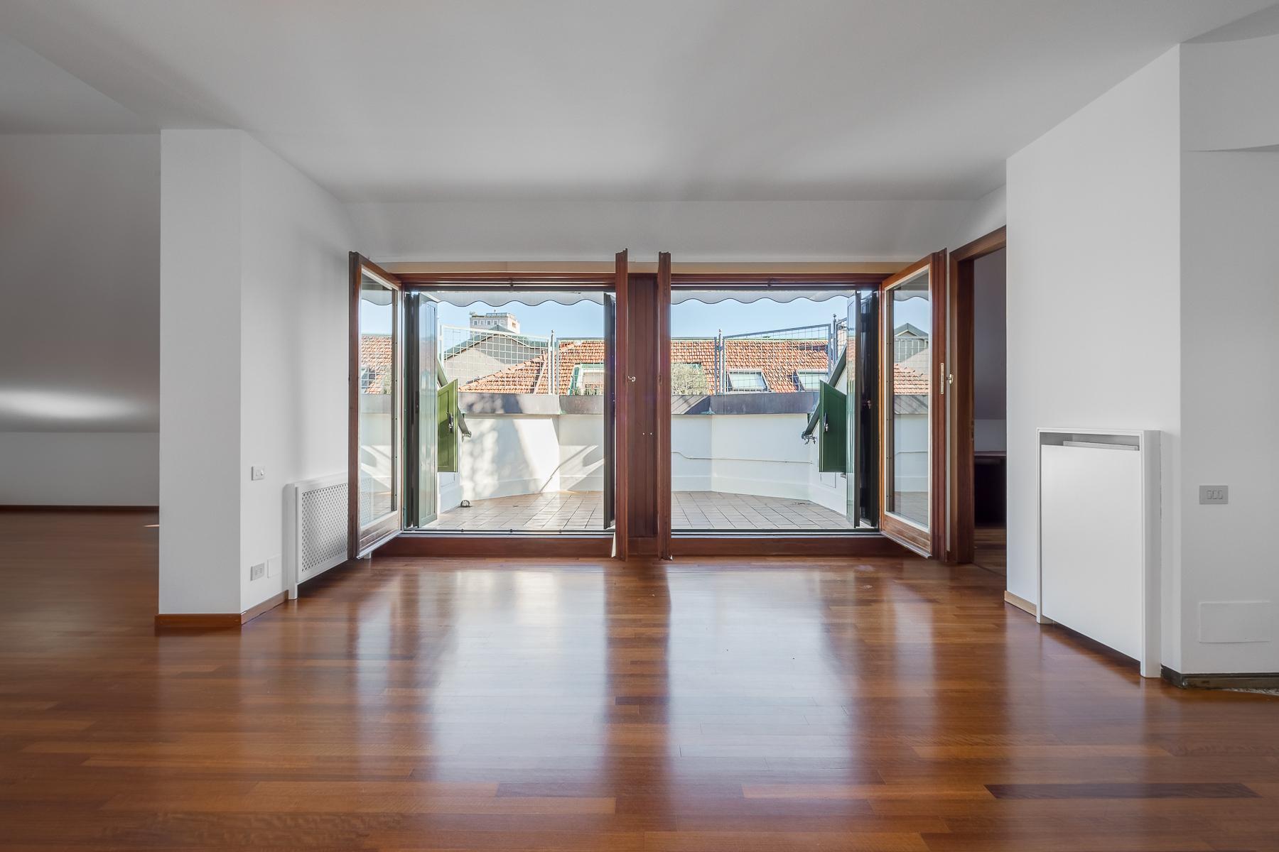 Magnifique appartement avec terrasse dans un bâtiment d'époque - 2