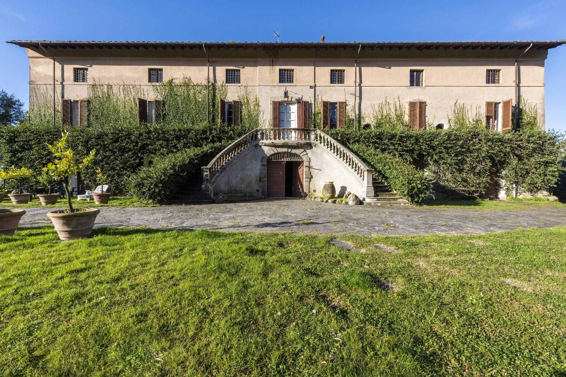 Stunning historic Villa with tower in Camaiore - 1