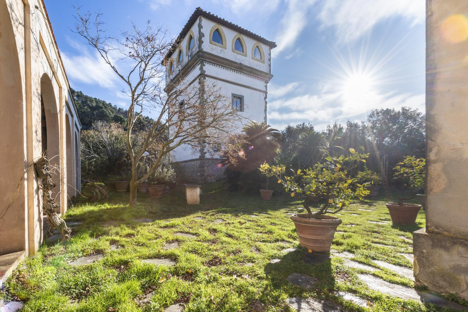Superbe villa historique avec tour à Camaiore - 15
