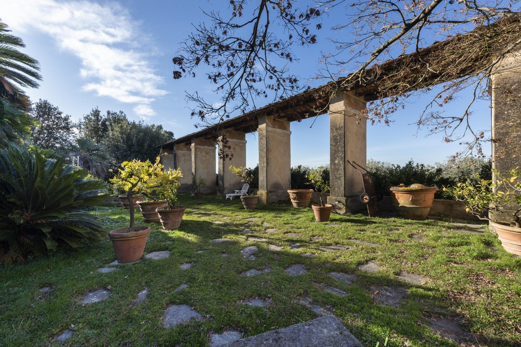 Superbe villa historique avec tour à Camaiore - 16