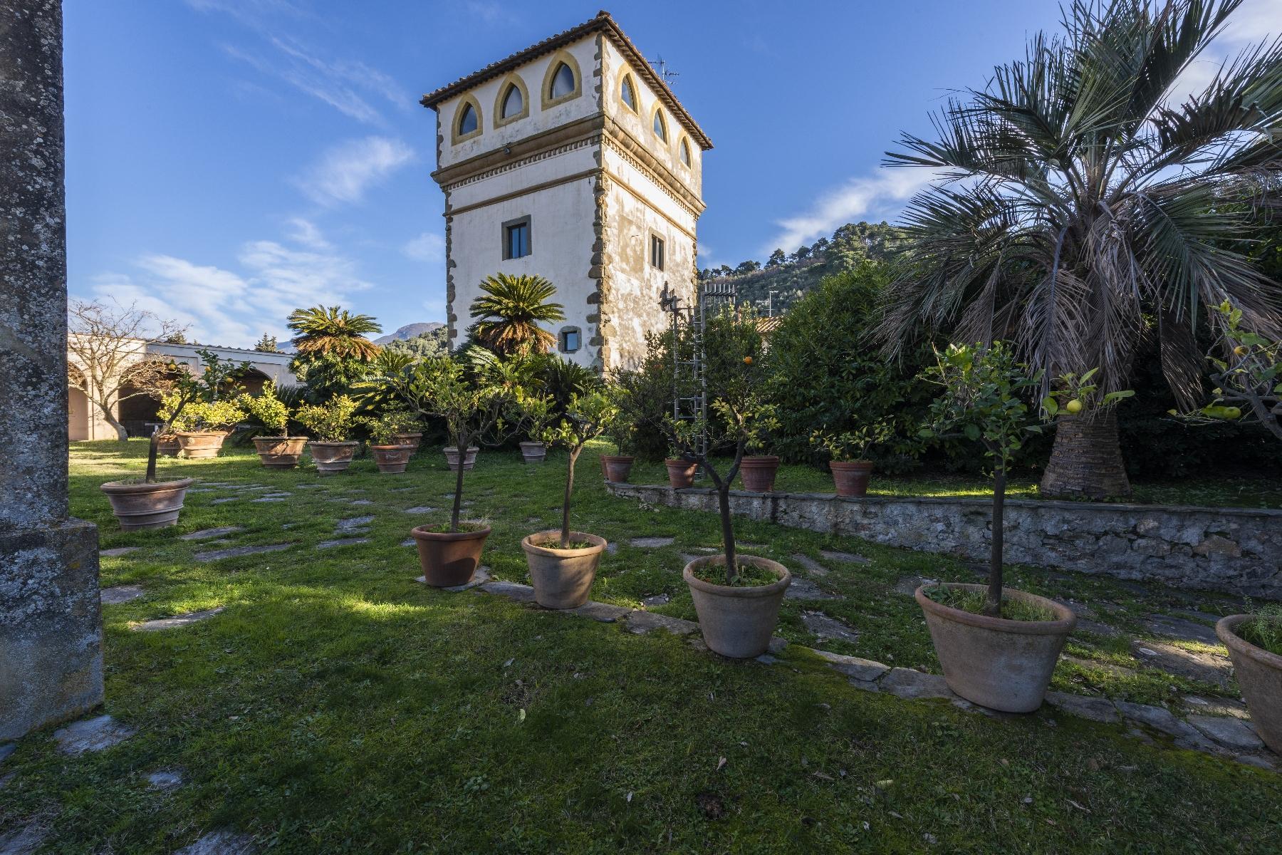 Superbe villa historique avec tour à Camaiore - 20