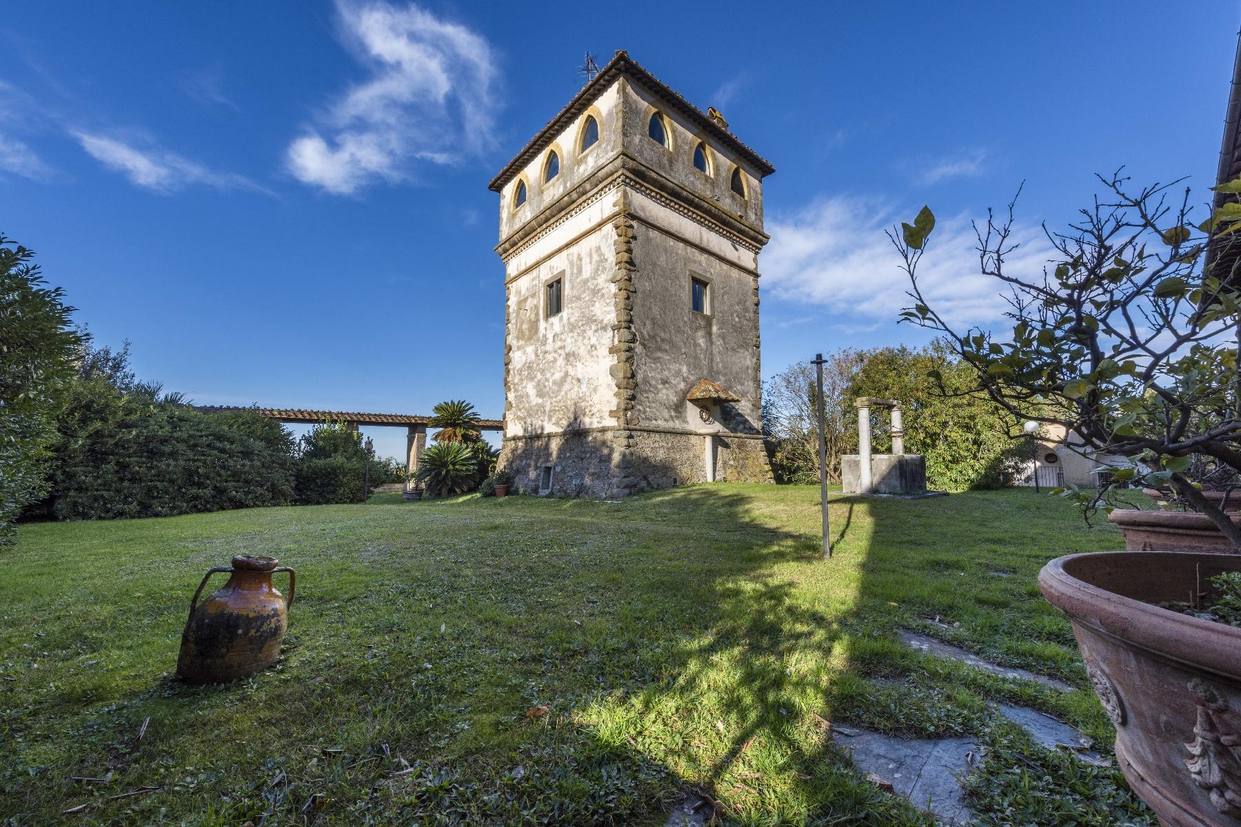 Superbe villa historique avec tour à Camaiore - 10