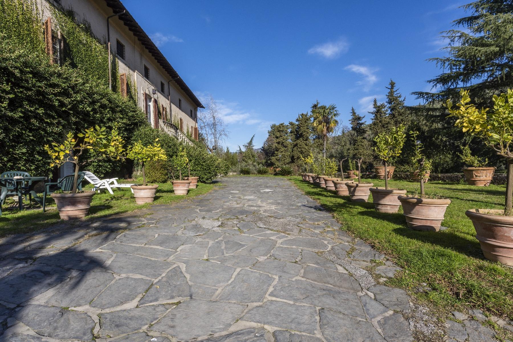 Superbe villa historique avec tour à Camaiore - 14