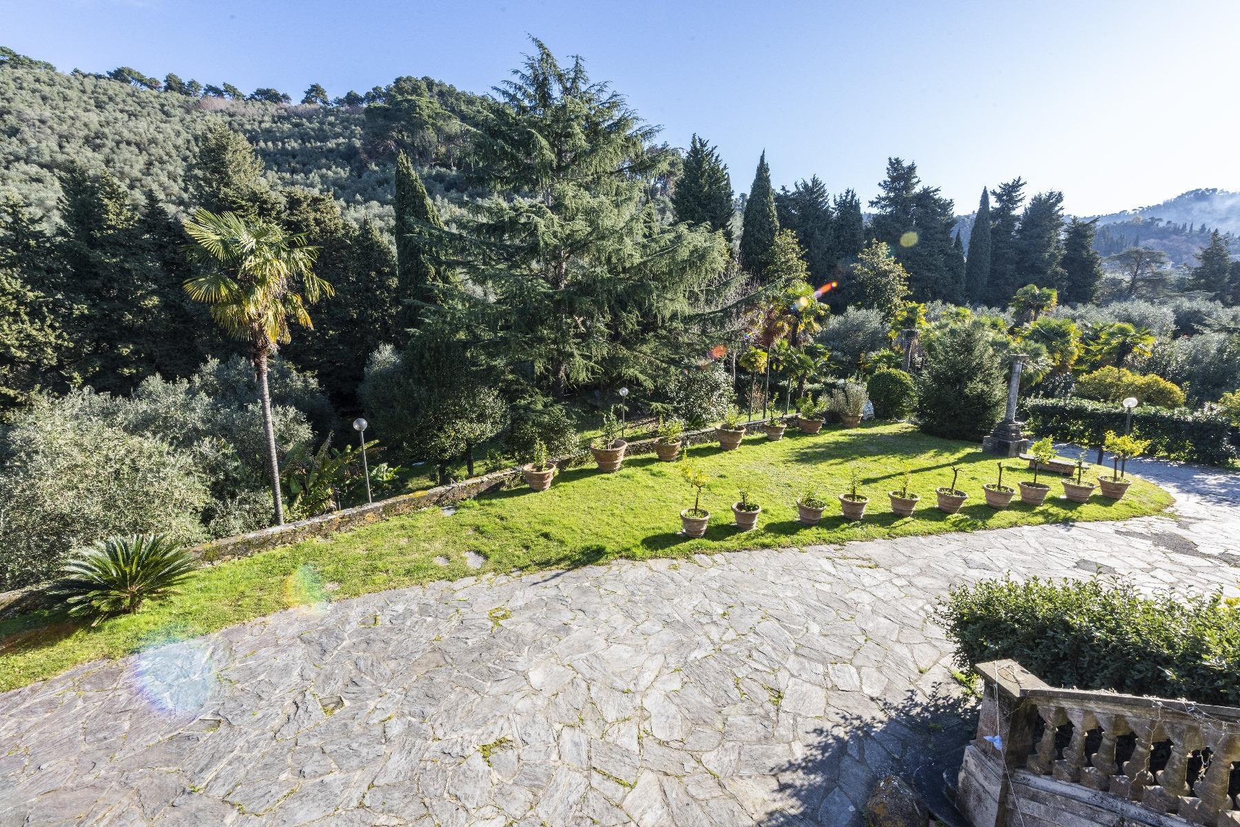 Superbe villa historique avec tour à Camaiore - 9