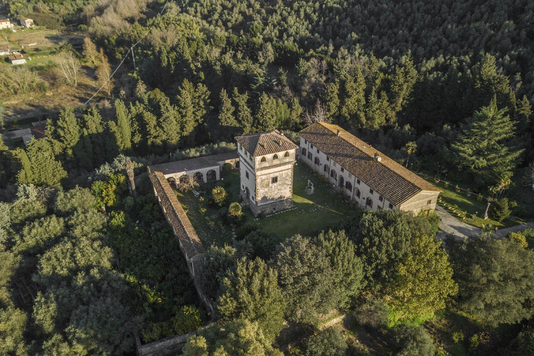 Superbe villa historique avec tour à Camaiore - 13