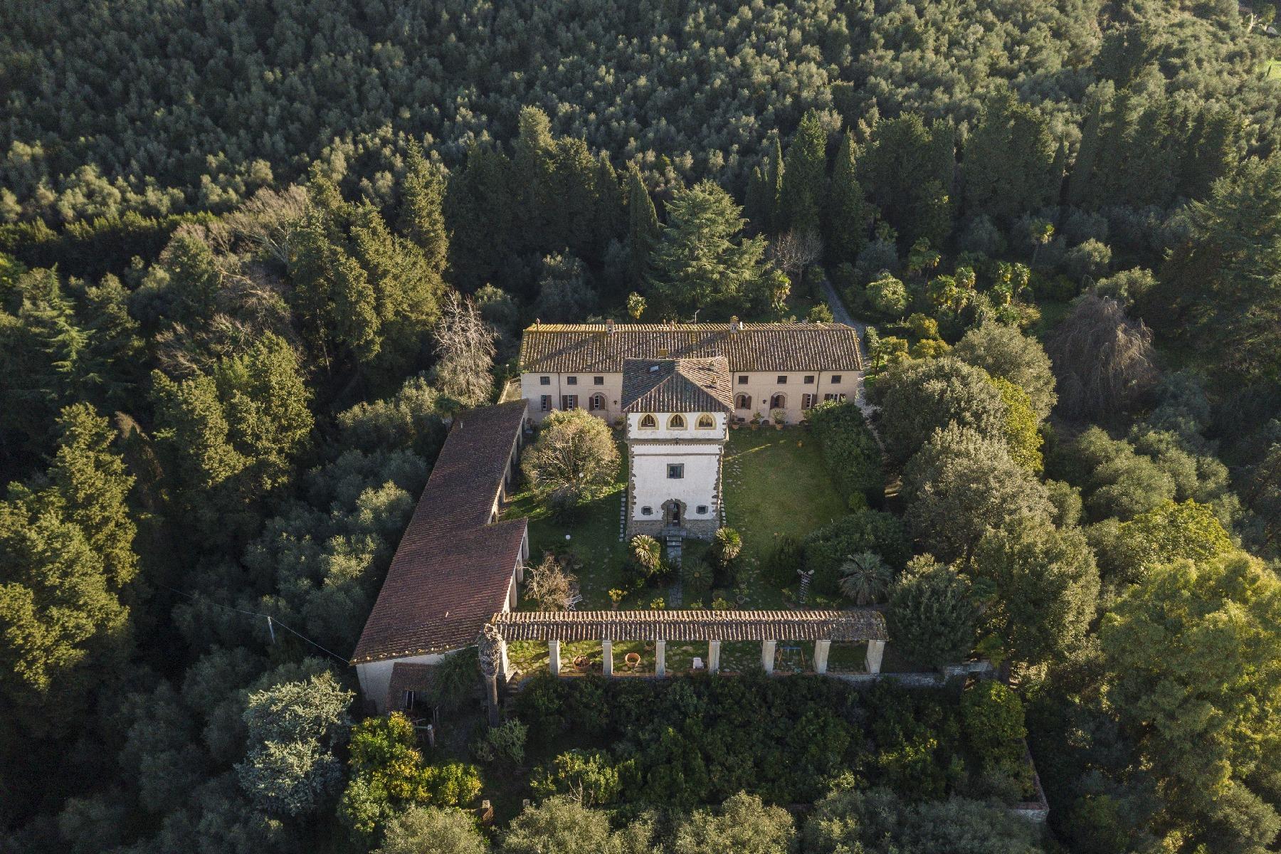 Superbe villa historique avec tour à Camaiore - 30