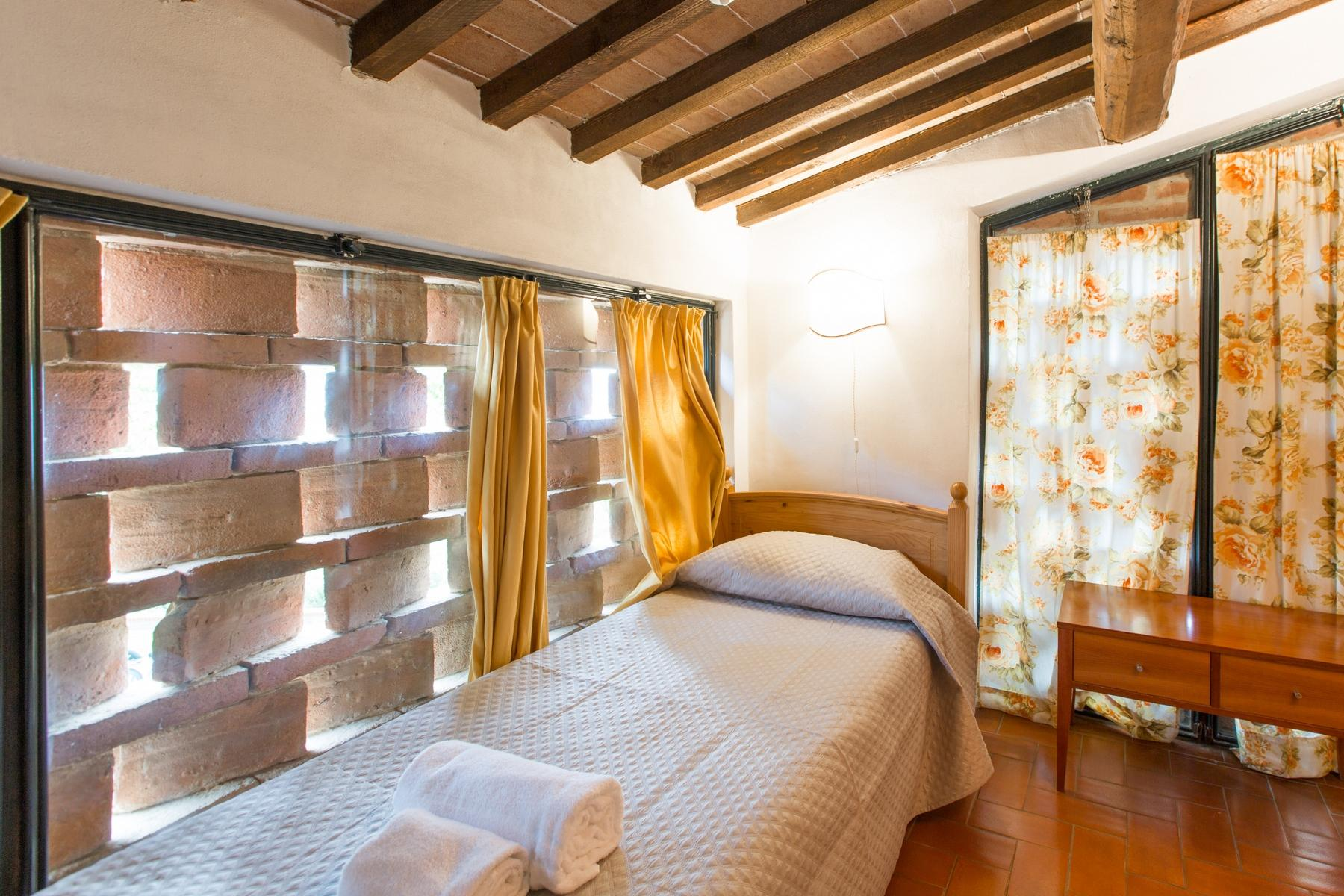 Superbly restored Agriturismo in Palaia - 12