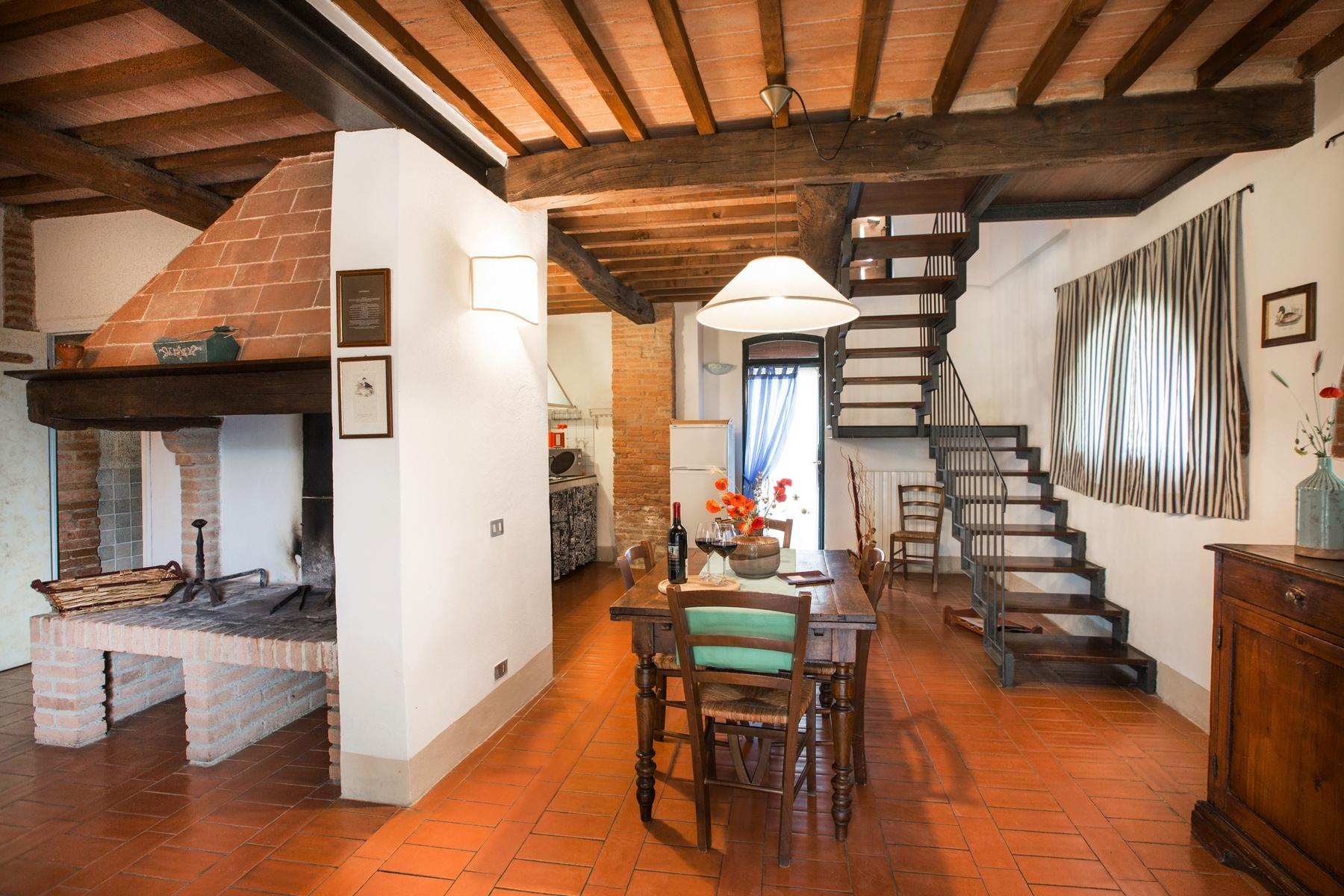 Superbly restored Agriturismo in Palaia - 9