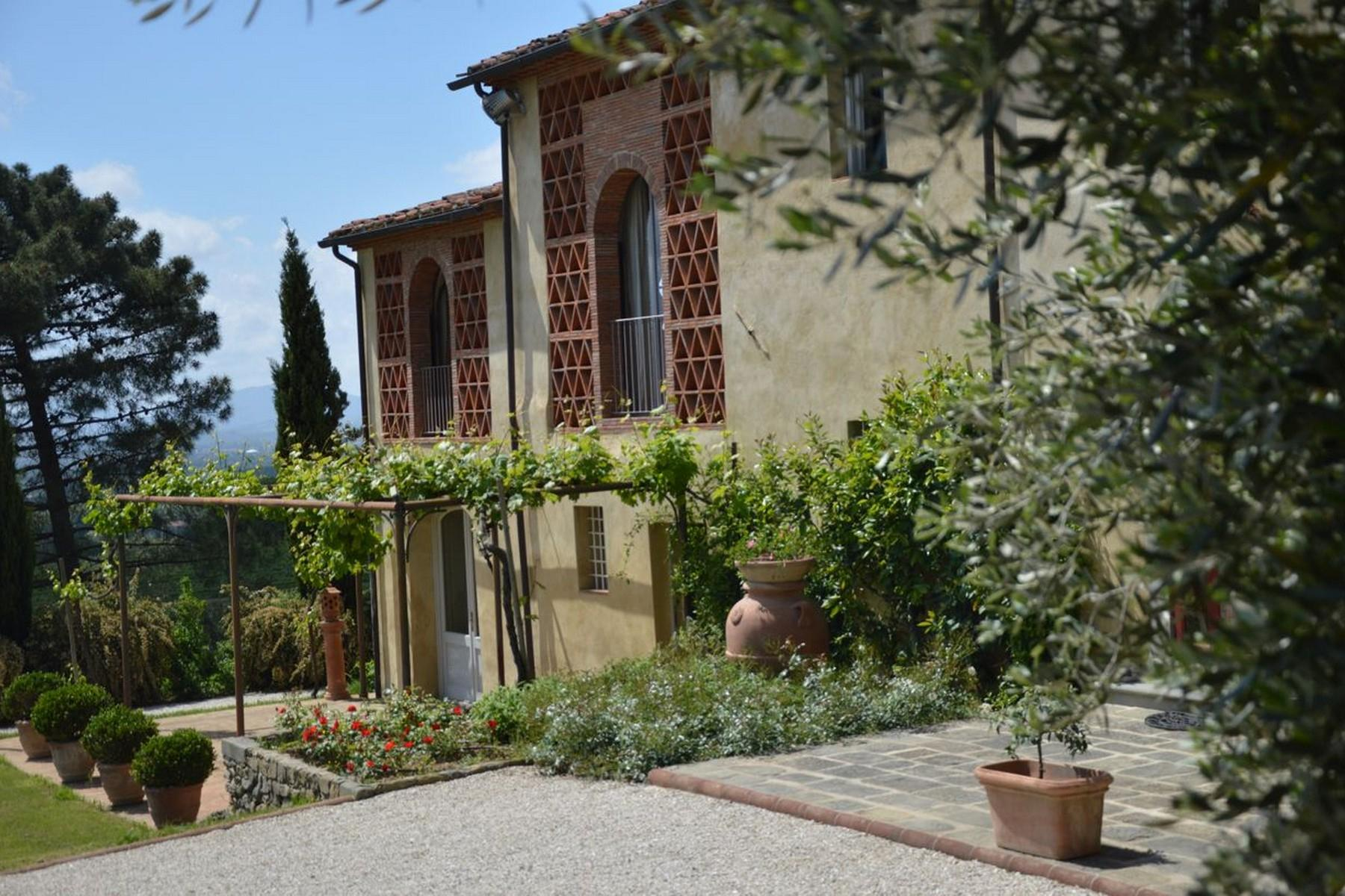Fantastic countryhouse with private lake on the hills around Lucca - 4