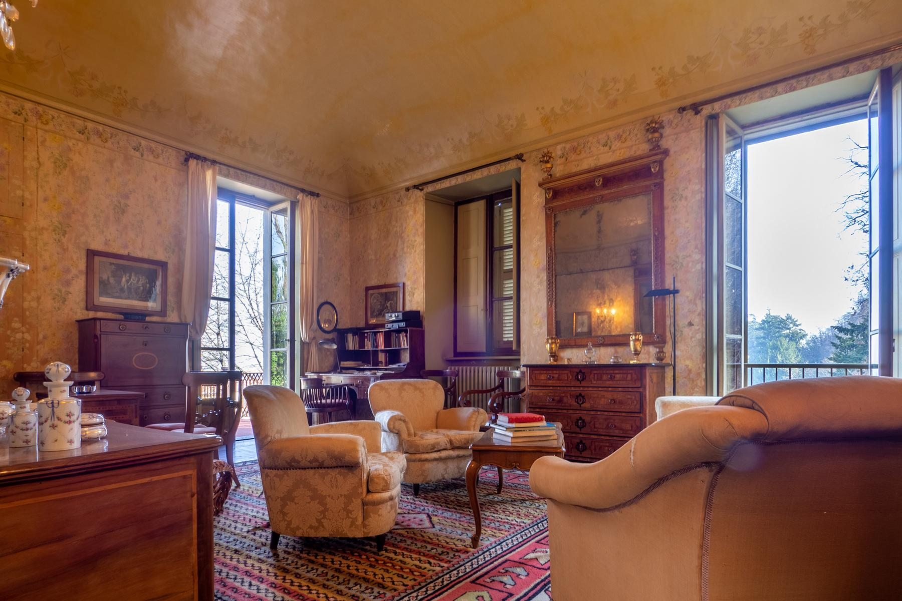 Historical Villa with private garden - 9