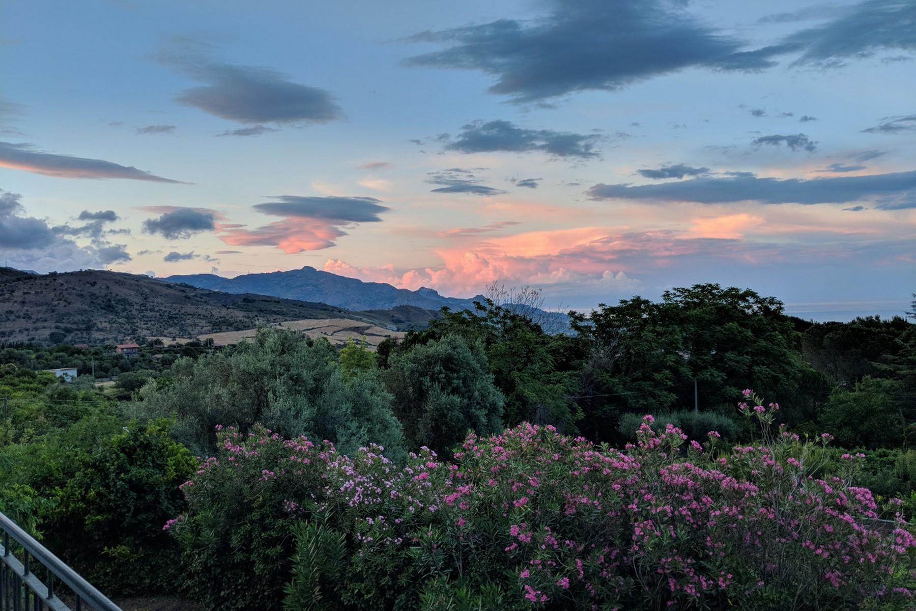 Detached villa with stunning views of Taormina, the sea and Mount Etna - 31