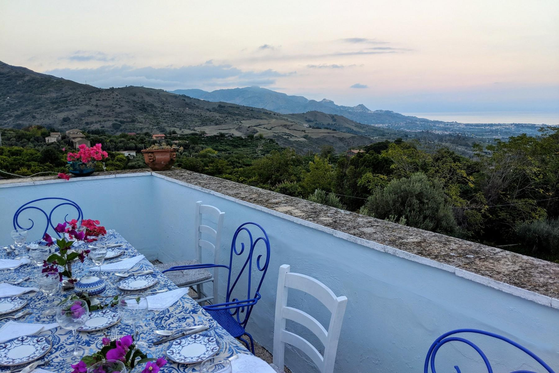 Detached villa with stunning views of Taormina, the sea and Mount Etna - 1