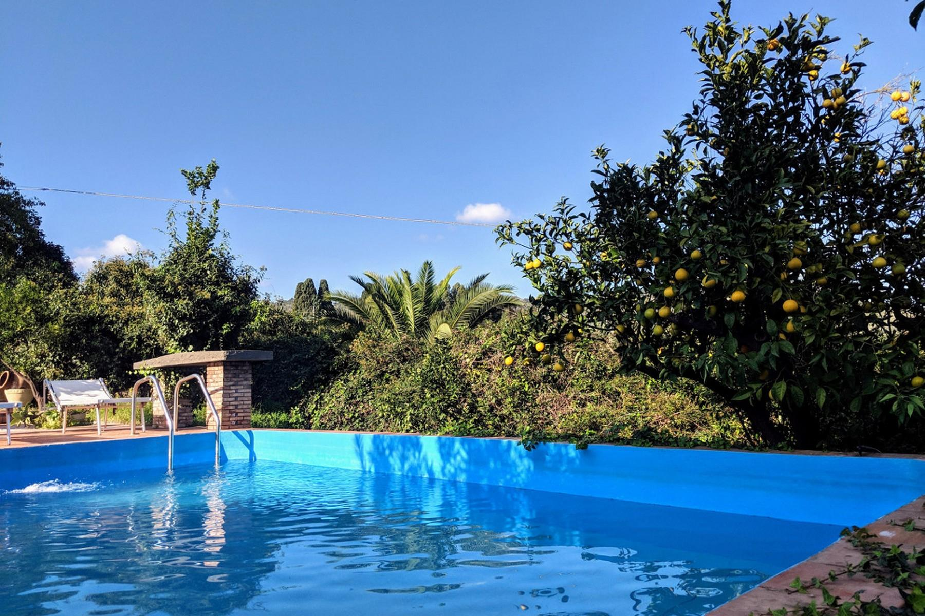Detached villa with stunning views of Taormina, the sea and Mount Etna - 23