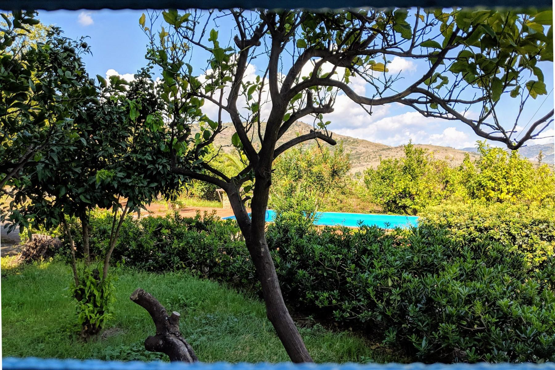 Detached villa with stunning views of Taormina, the sea and Mount Etna - 25