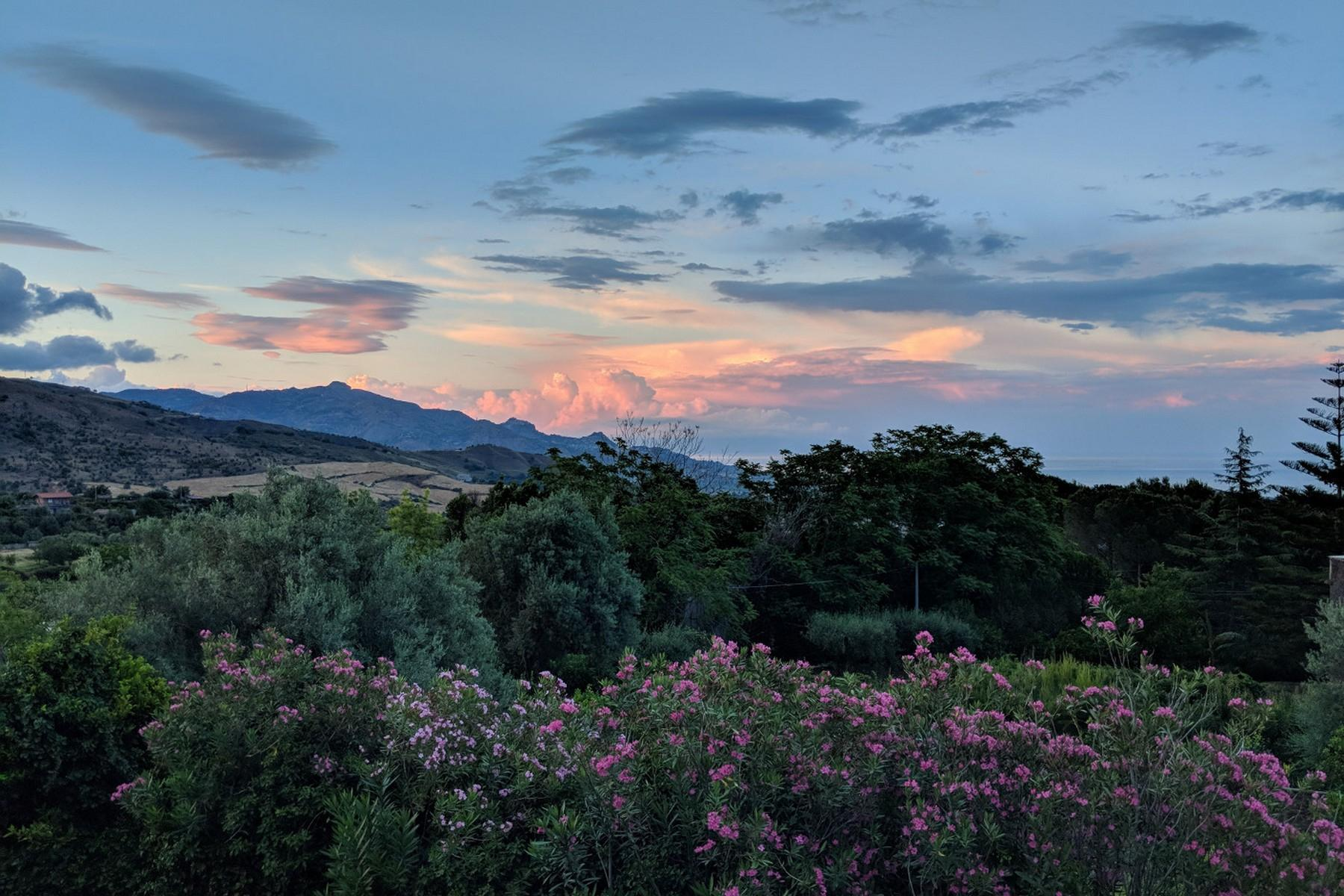 Detached villa with stunning views of Taormina, the sea and Mount Etna - 27
