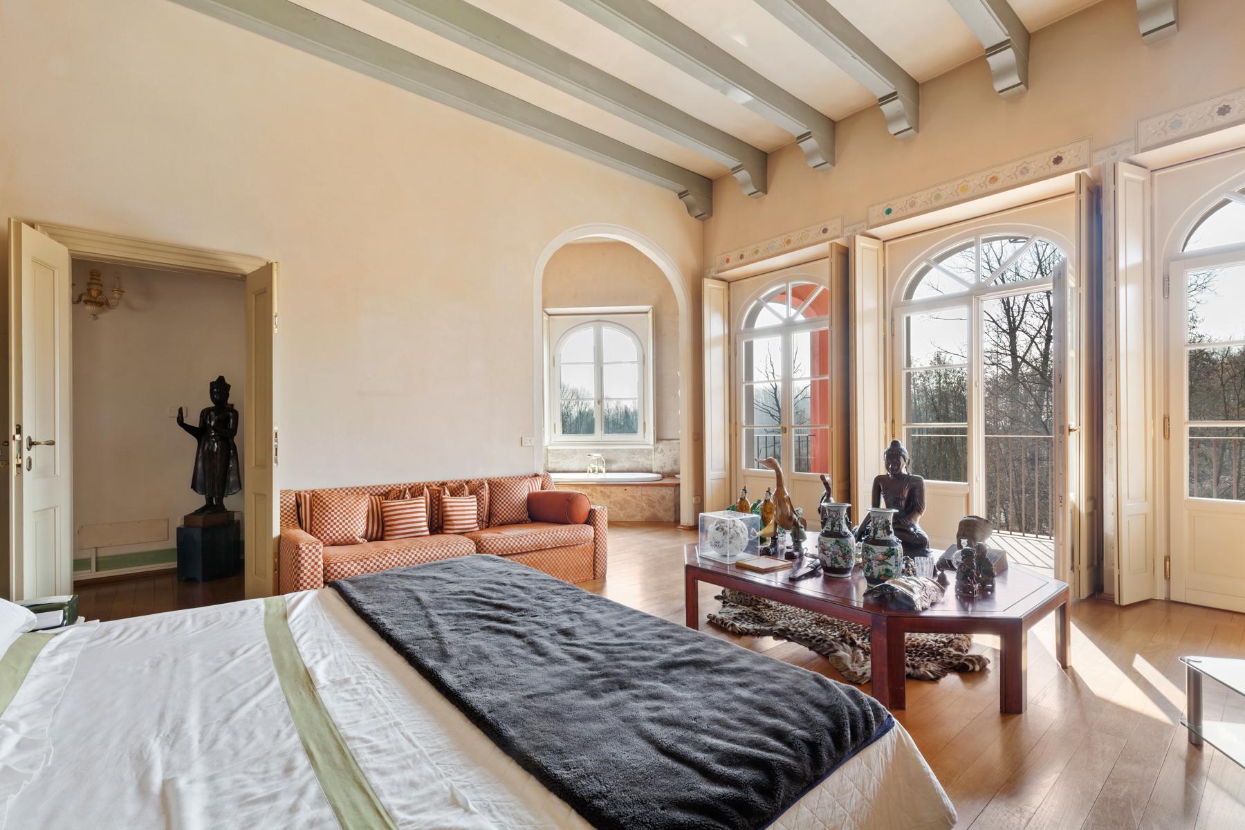 Привлекательная вилла с частным парком и озером недалеко от Милана - 11