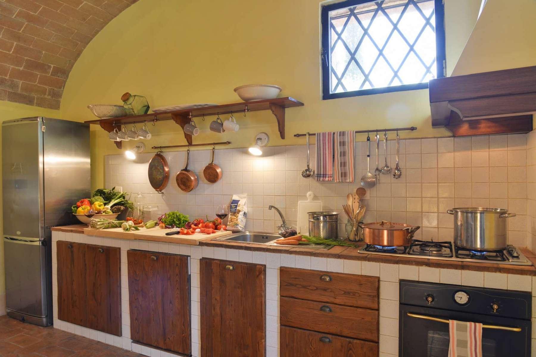 Historic farm in the heart of Crete Senesi - 9