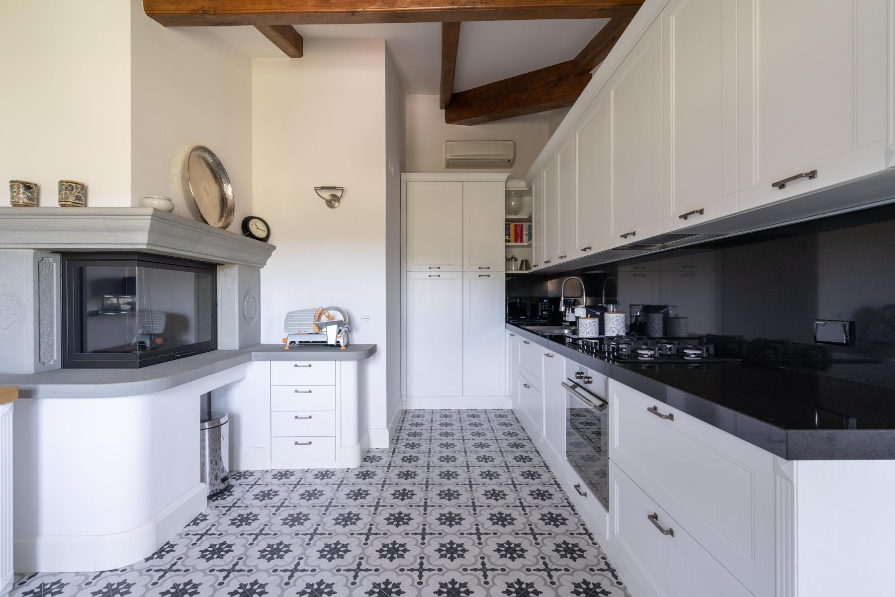 Wunderbare Wohnung in einer Villa mit Swimmingpool auf den Hügeln von Florenz - 7