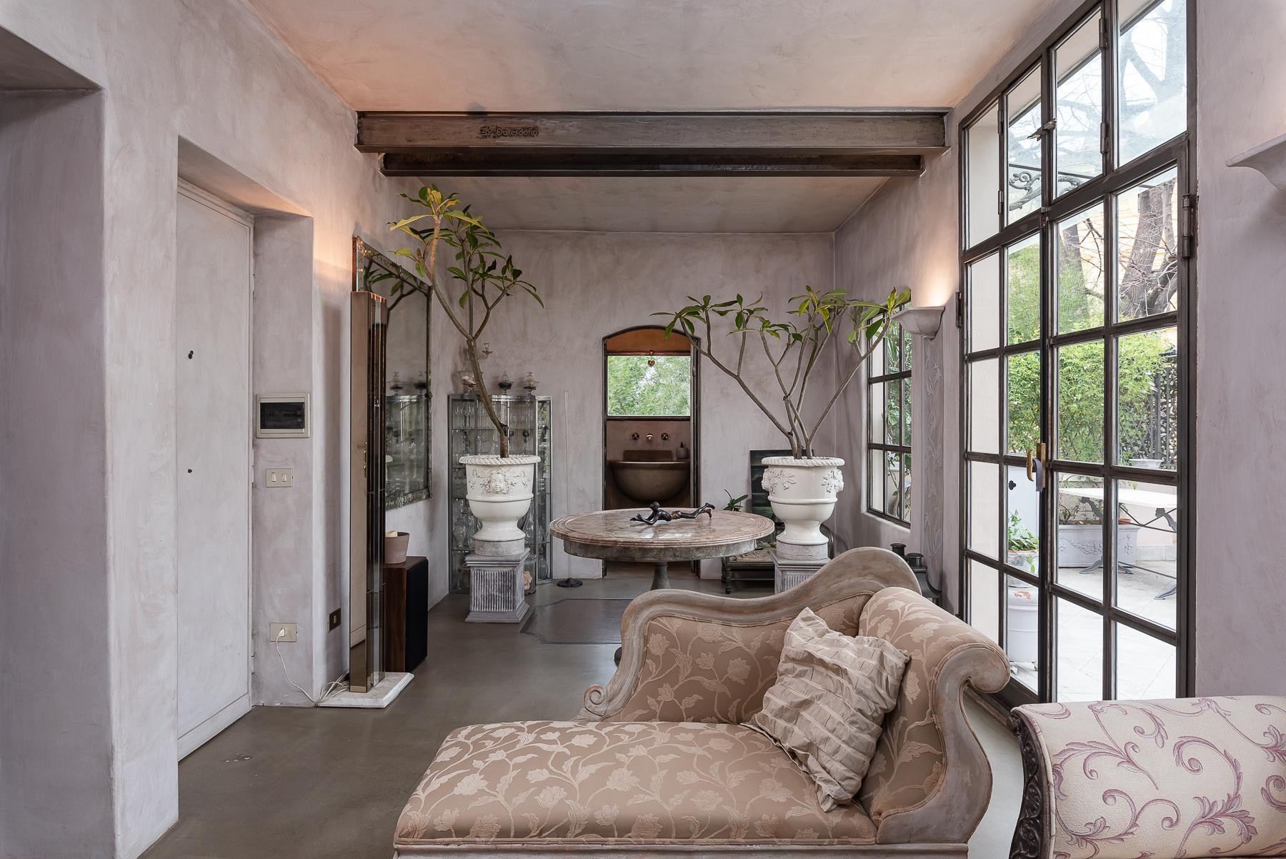 Gorgeous duplex penthouse with terraces in unique location - 3