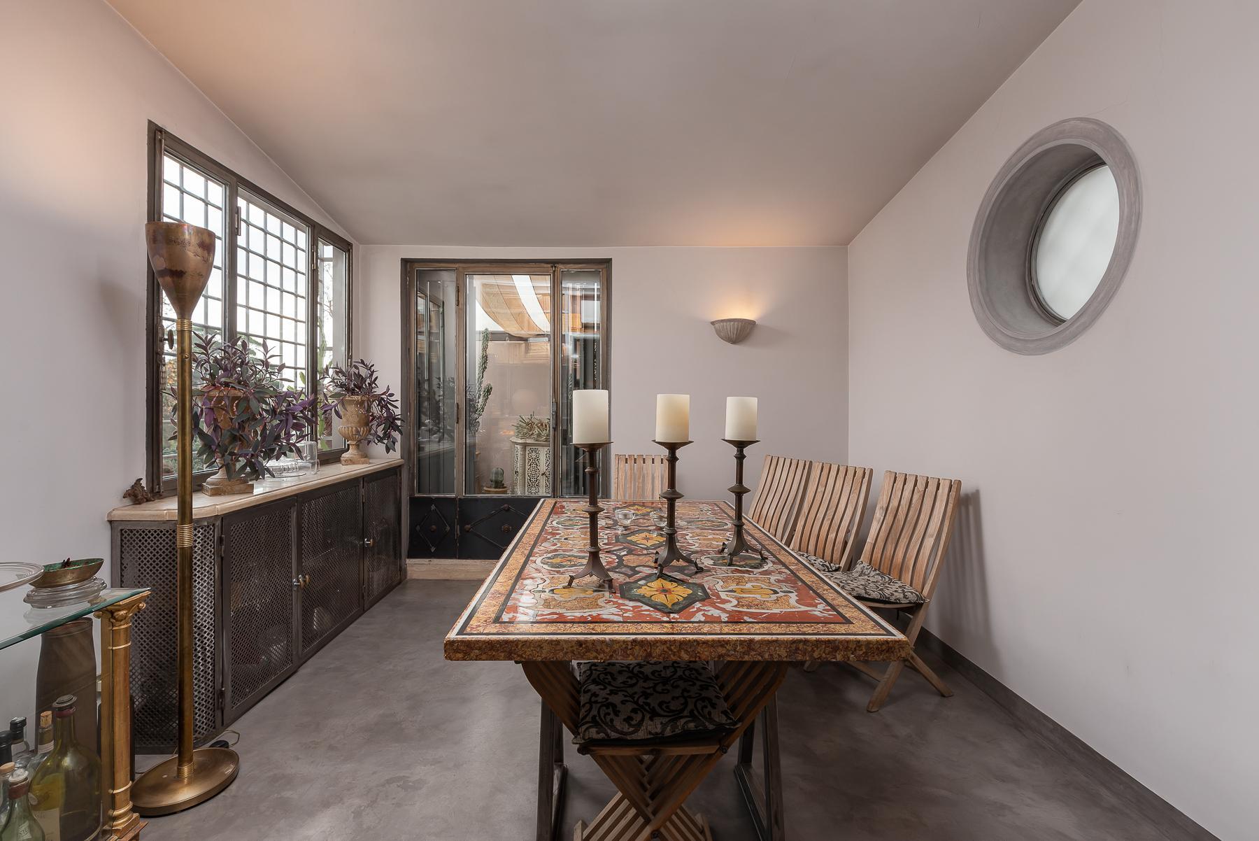 Gorgeous duplex penthouse with terraces in unique location - 2