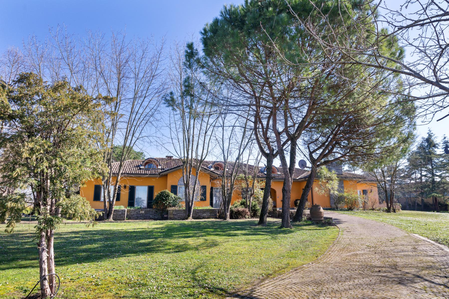 Bright villa with stables in the Oltrep̣ Pavese area - 1
