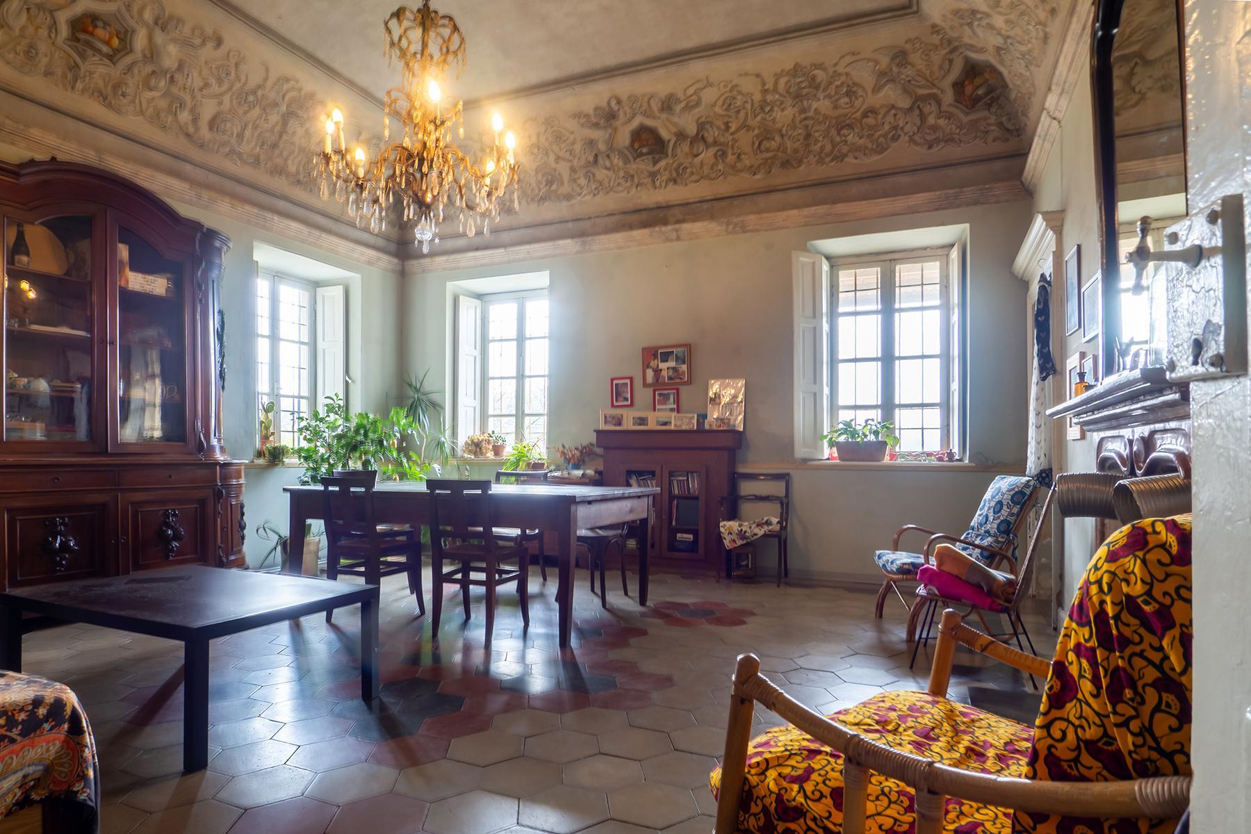 Charming villa in Castagneto Po - 11