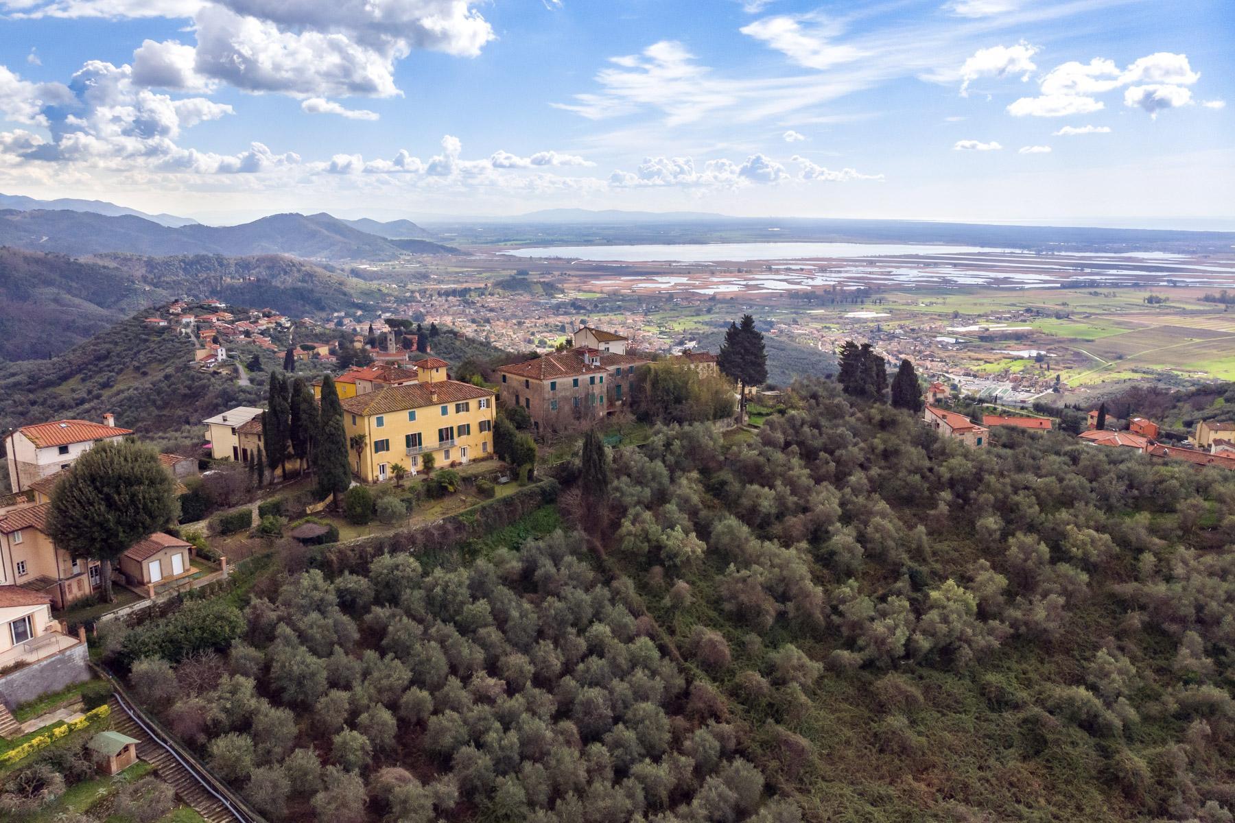 Charmante historische Villa mit Meerblick auf den Hügeln von Massarosa - 1