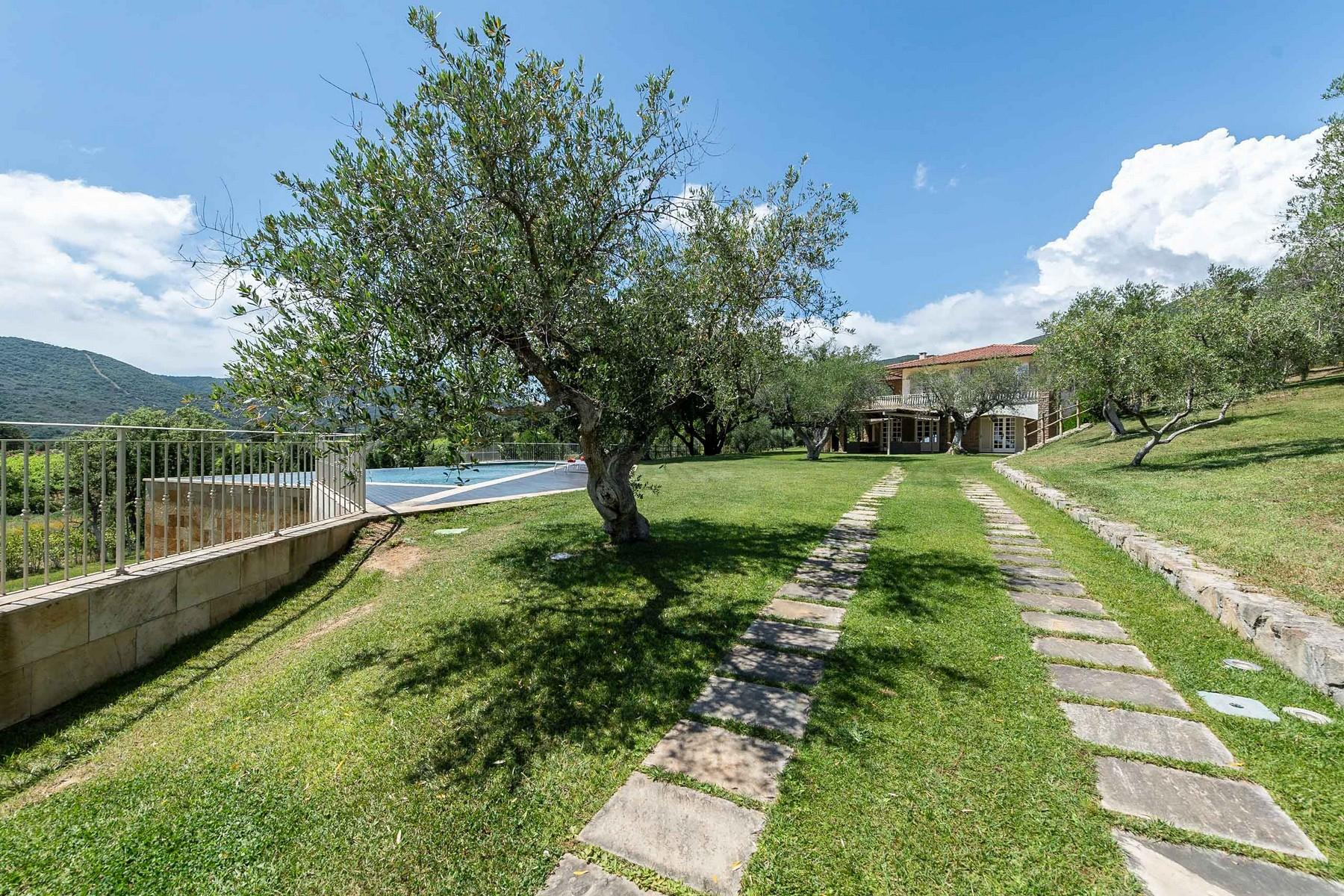 Elegante villa vista mare a Castiglione della Pescaia - 2