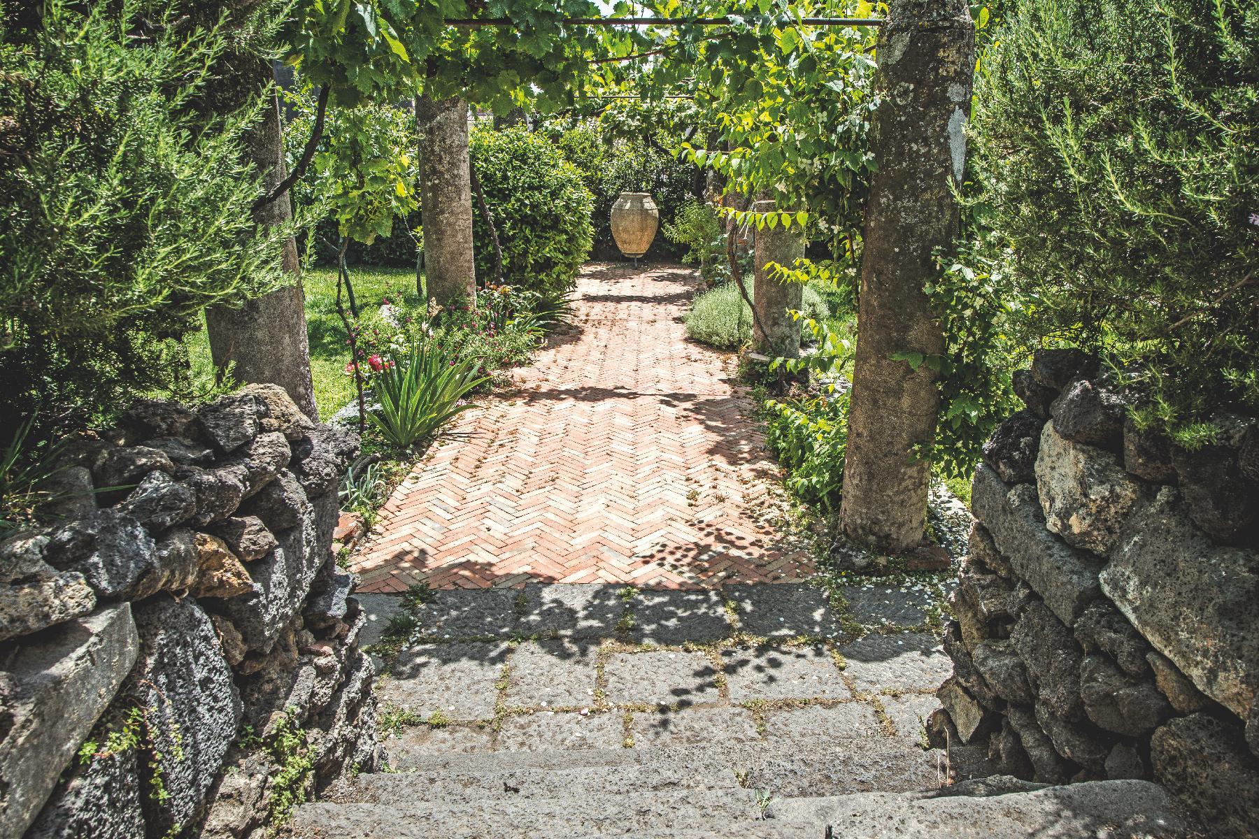 Historische Residenz an den Südhängen des Ätna - 4