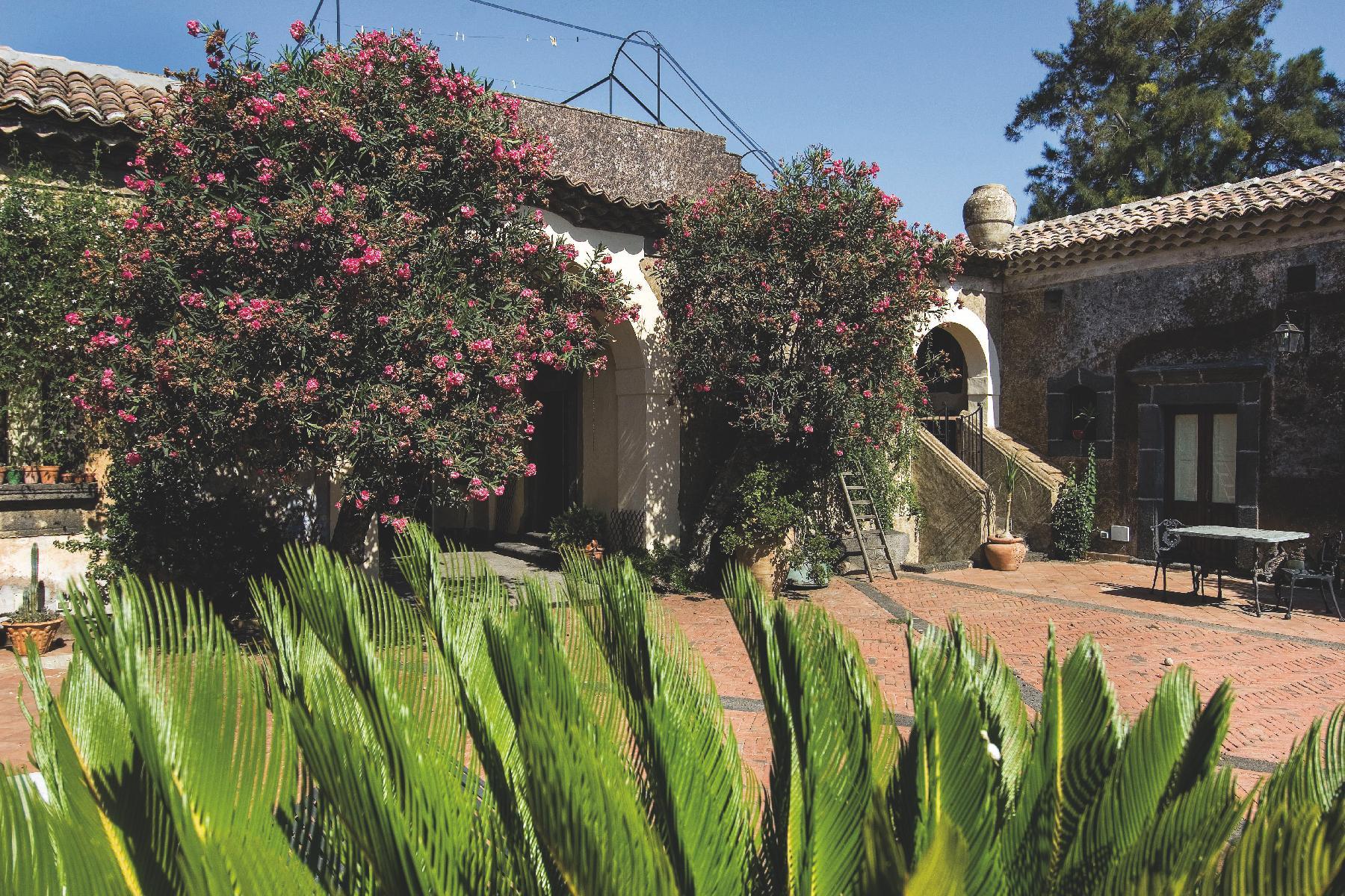Historische Residenz an den Südhängen des Ätna - 2