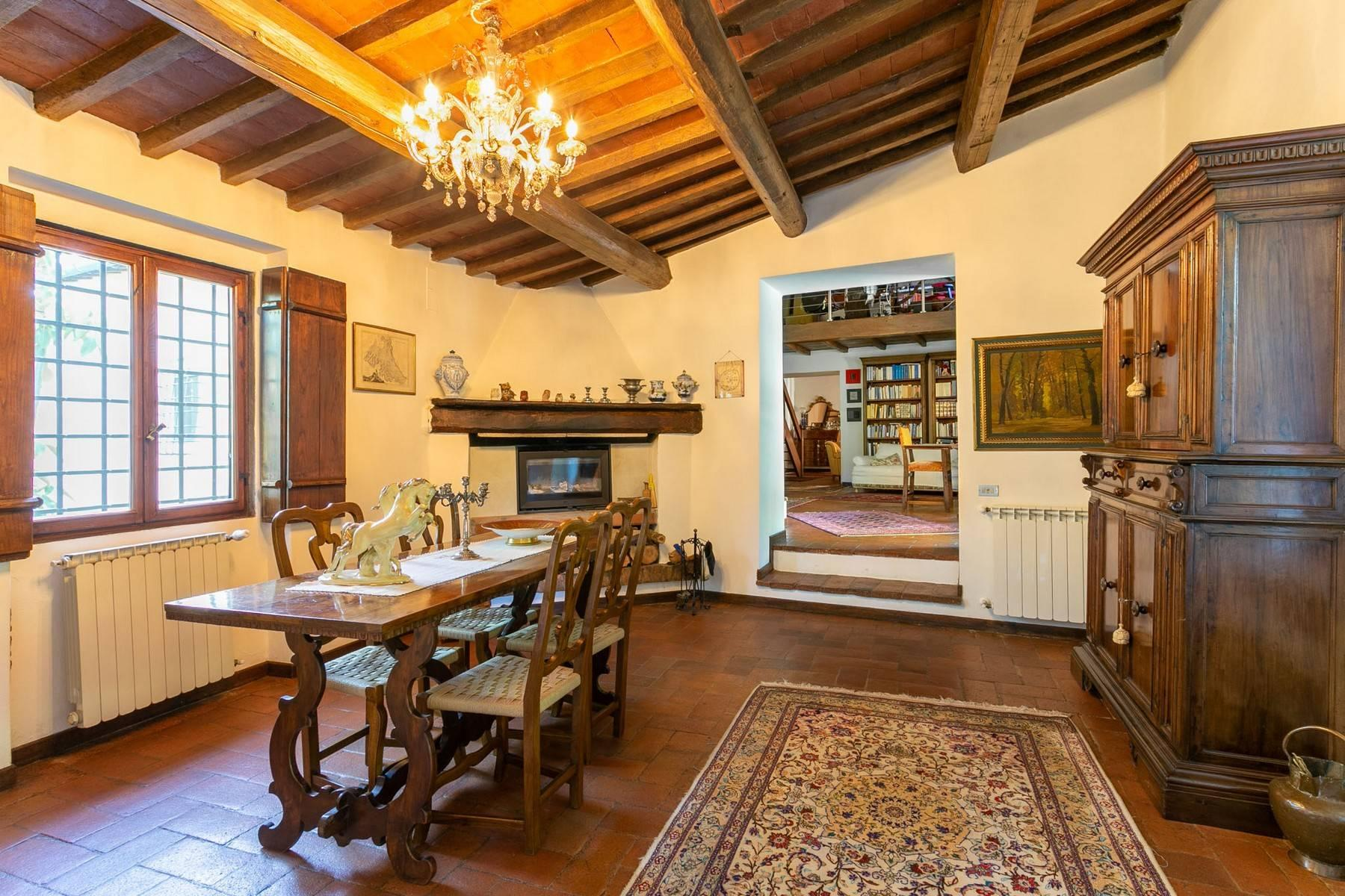 Villa immersed in a 7,000 sqm garden close to Florence - 7