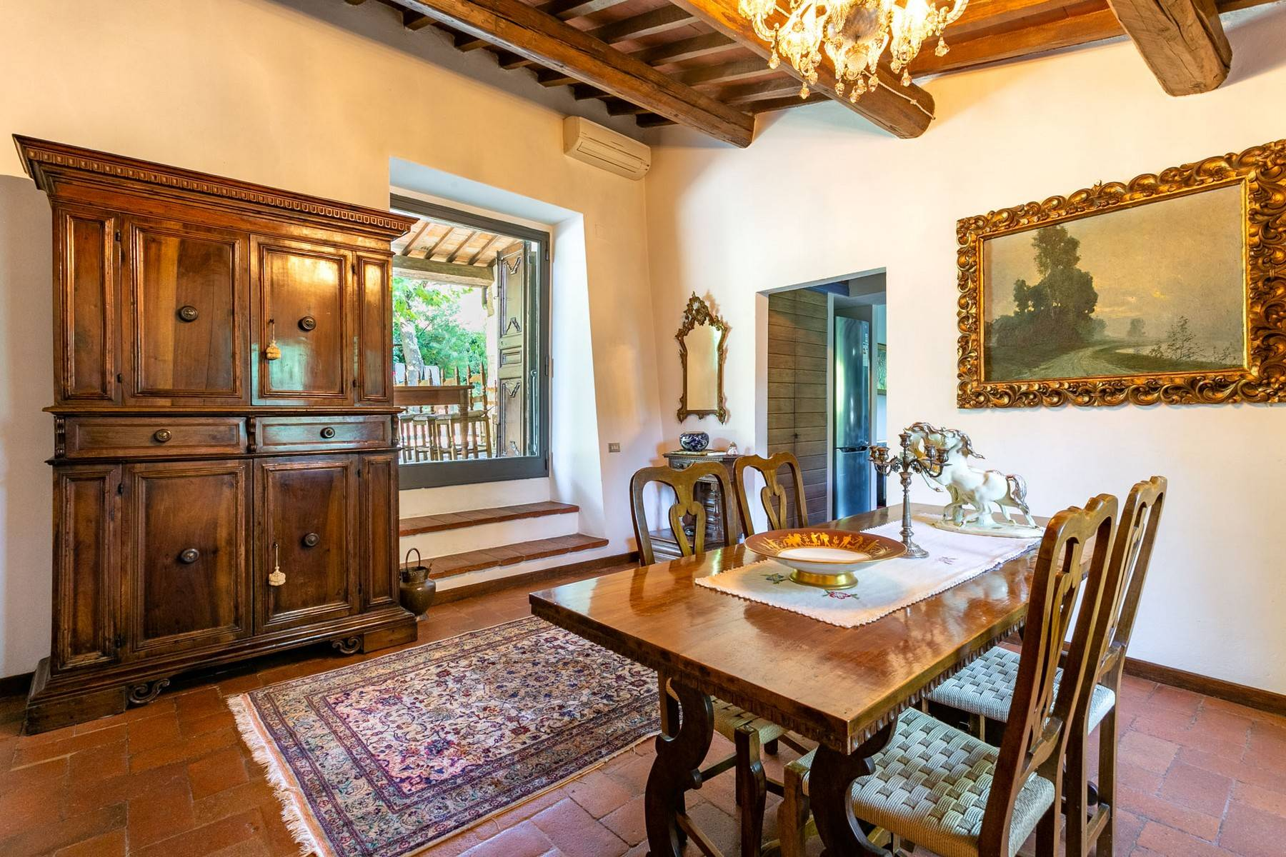 Villa immersed in a 7,000 sqm garden close to Florence - 8