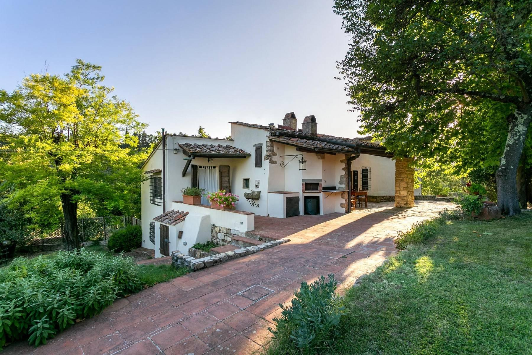 Villa immersed in a 7,000 sqm garden close to Florence - 1
