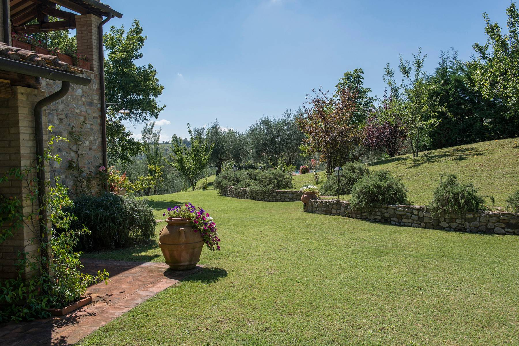 Stunning Farmhouse with pool on the border between Tuscany and Umbria - 10