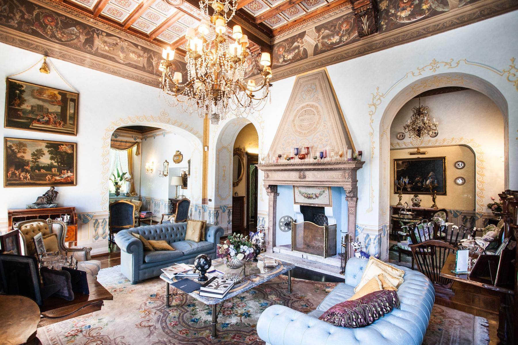 Charming historic villa with private park - 10