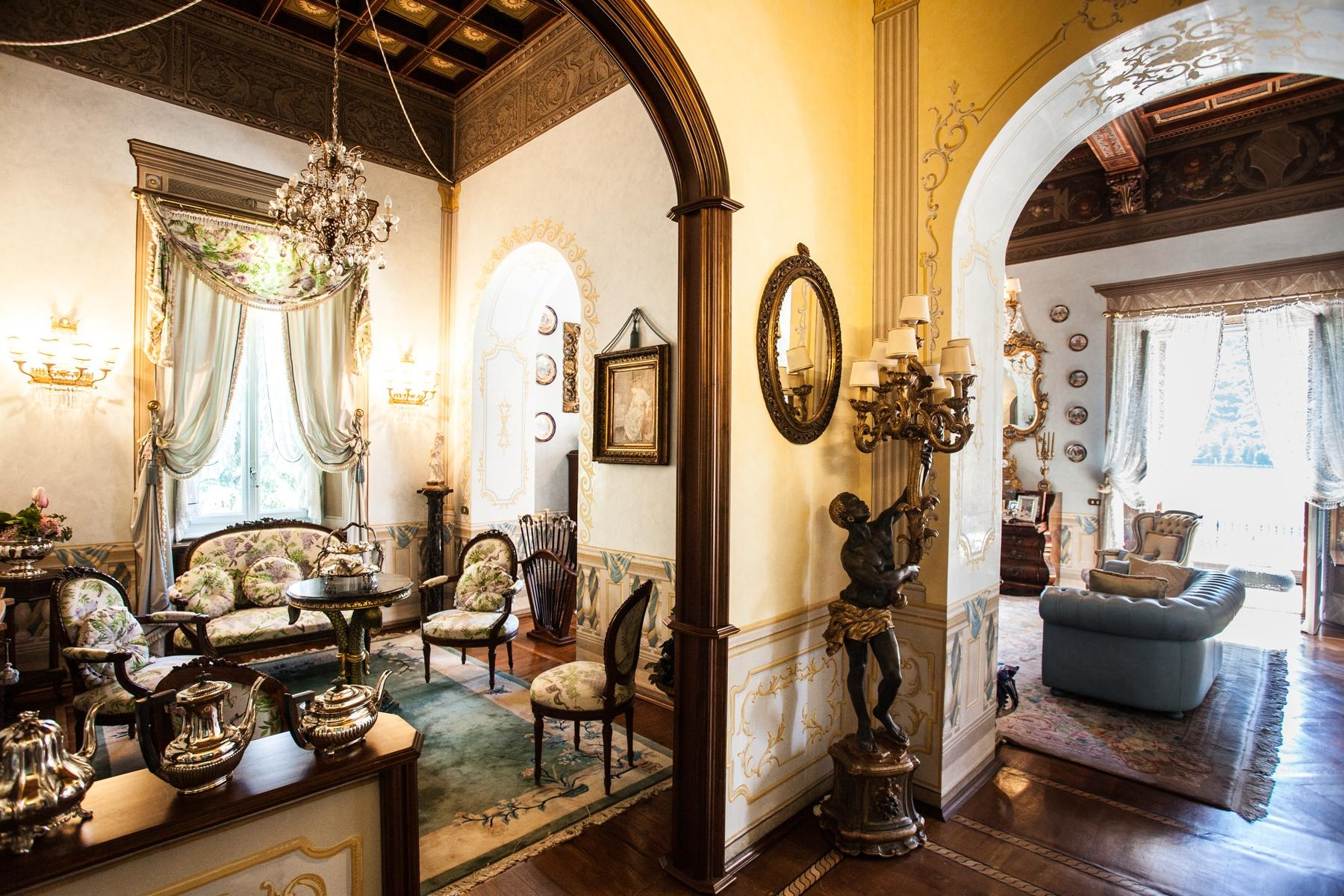 Charming historic villa with private park - 11