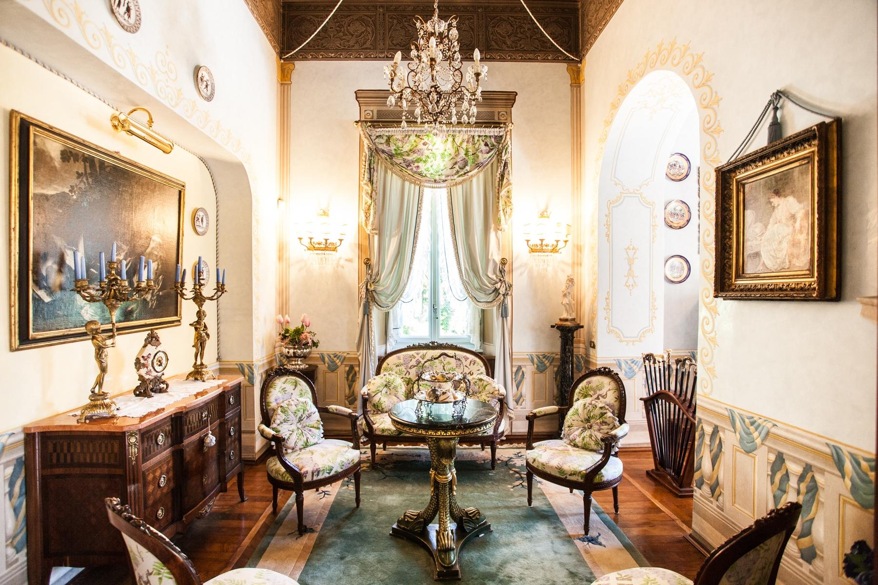 Charming historic villa with private park - 12