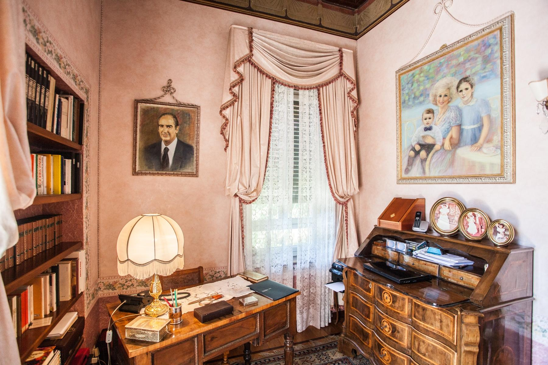 Charming historic villa with private park - 19