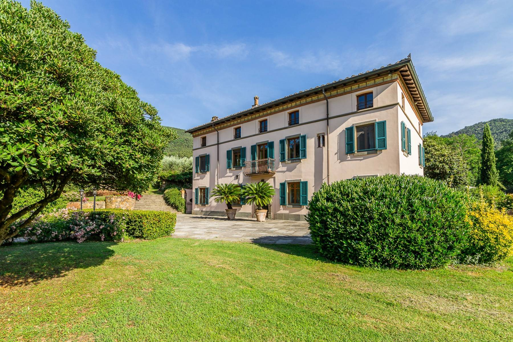 Majestic Luxury Villa with outbuildings on the hills south of Lucca - 5