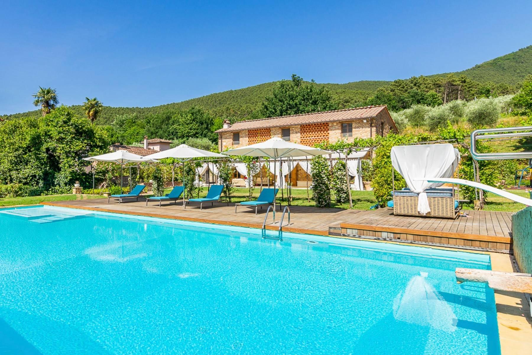Majestic Luxury Villa with outbuildings on the hills south of Lucca - 4