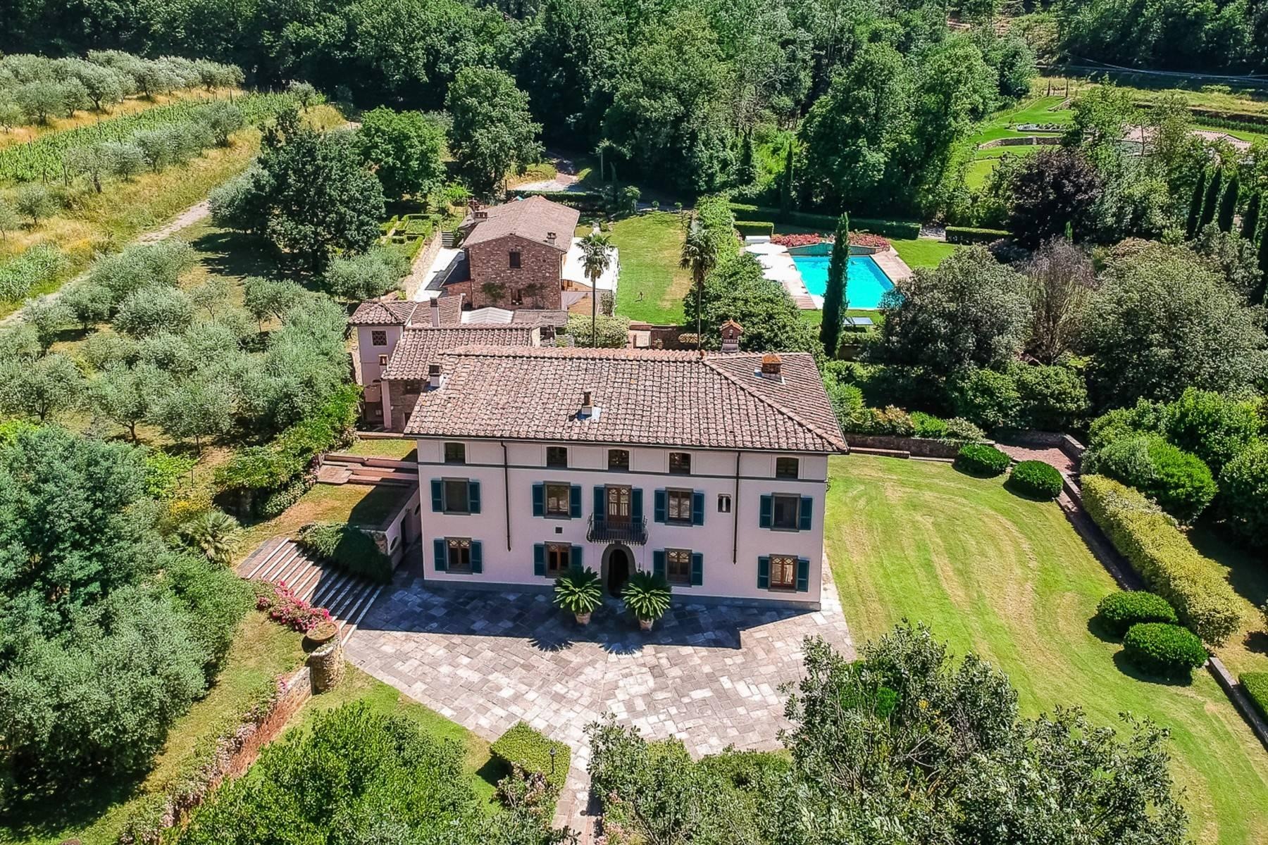 Majestic Luxury Villa with outbuildings on the hills south of Lucca - 1