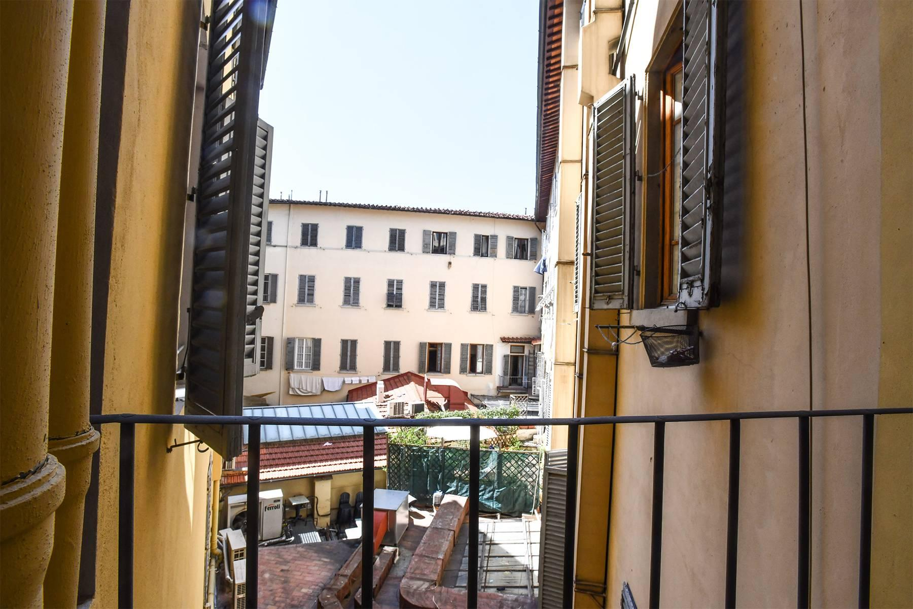 Beautiful new design apartment in the heart of Florence - 13