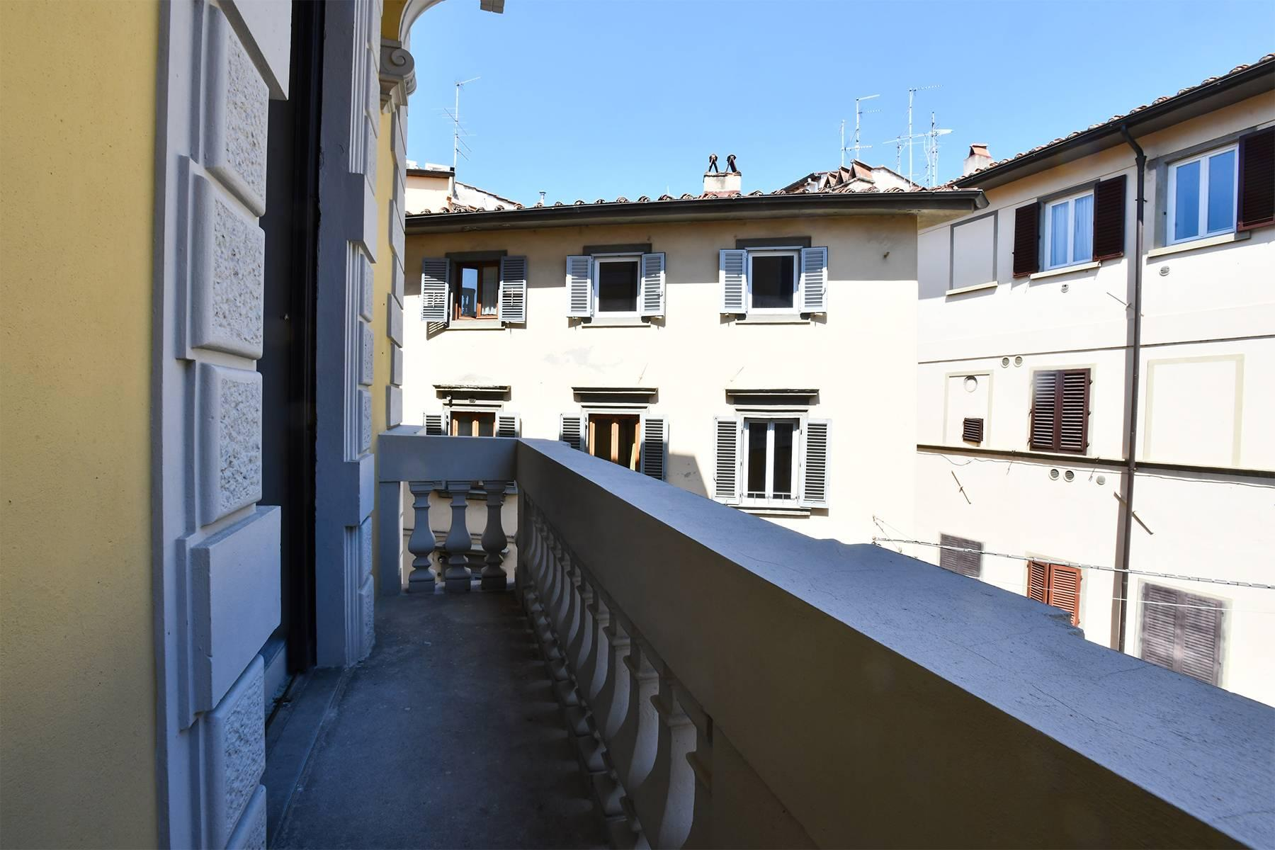 Beautiful new design apartment in the heart of Florence - 17