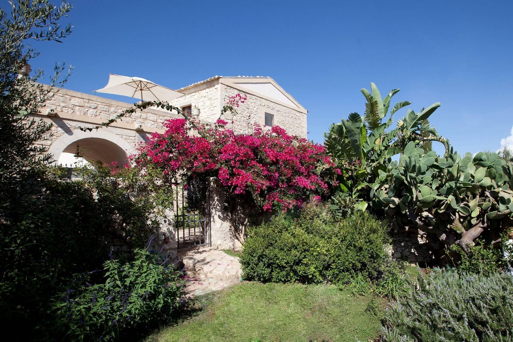 Charmante historische Villa auf dem Land von Ragusa - 5