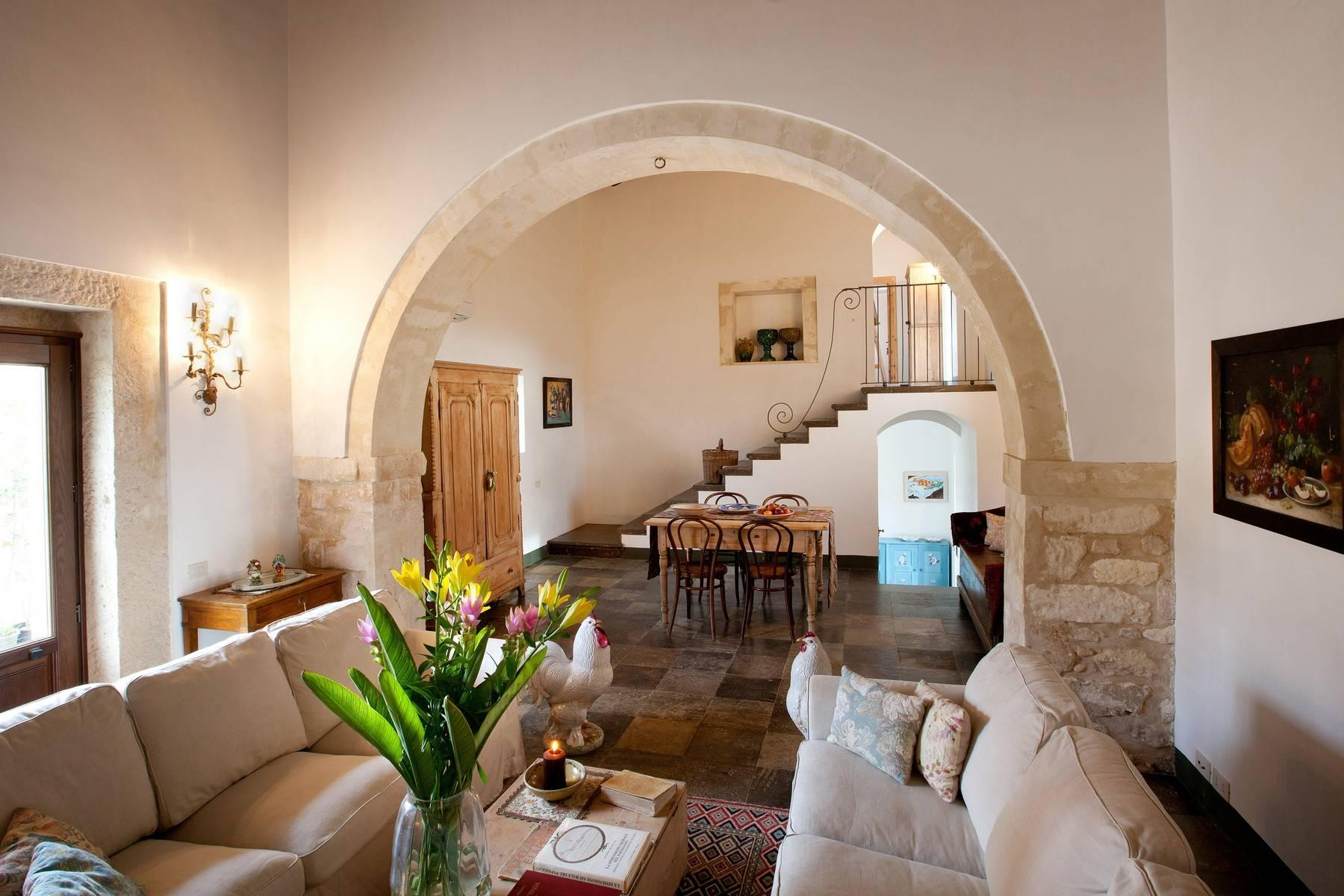 Charming historical estate in the countryside of Ragusa - 10