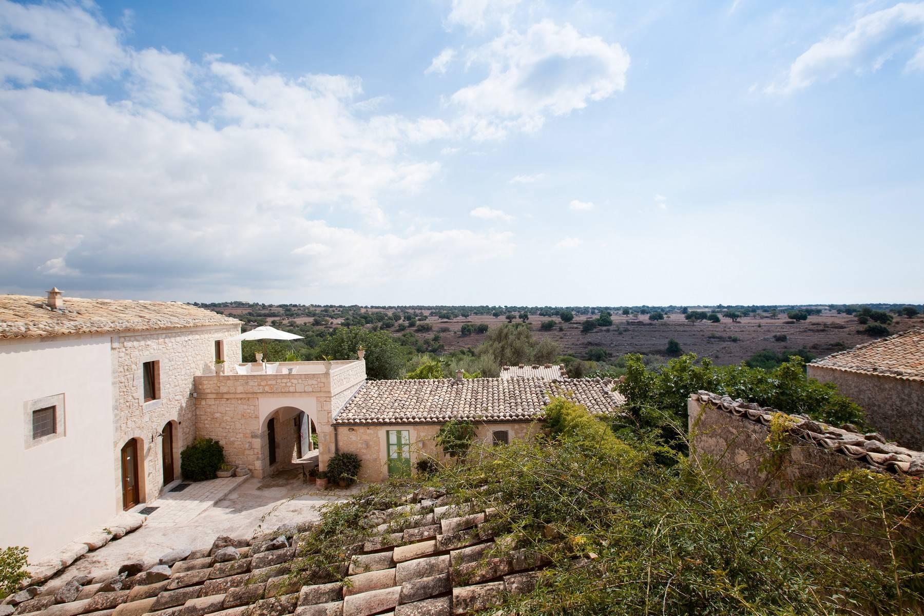 Charmante historische Villa auf dem Land von Ragusa - 6