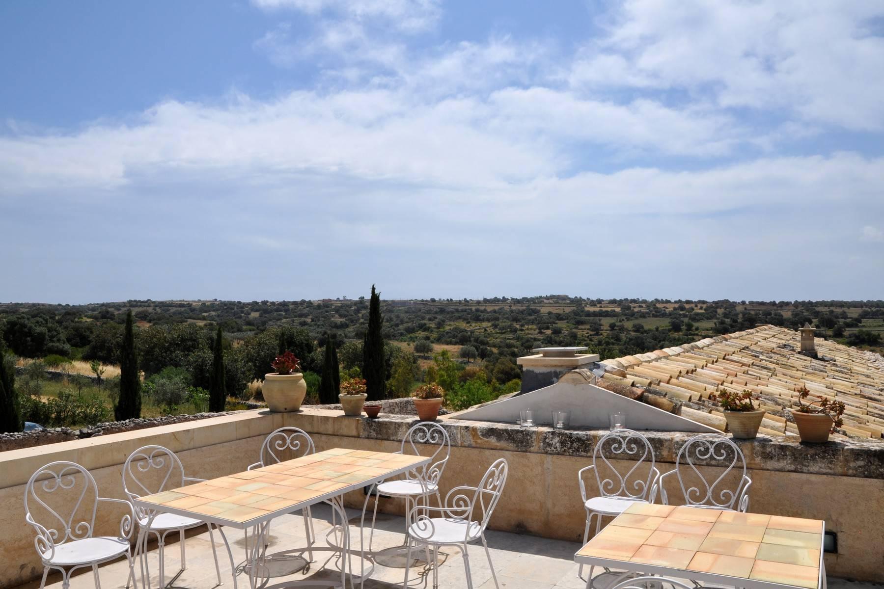 Charmante historische Villa auf dem Land von Ragusa - 4