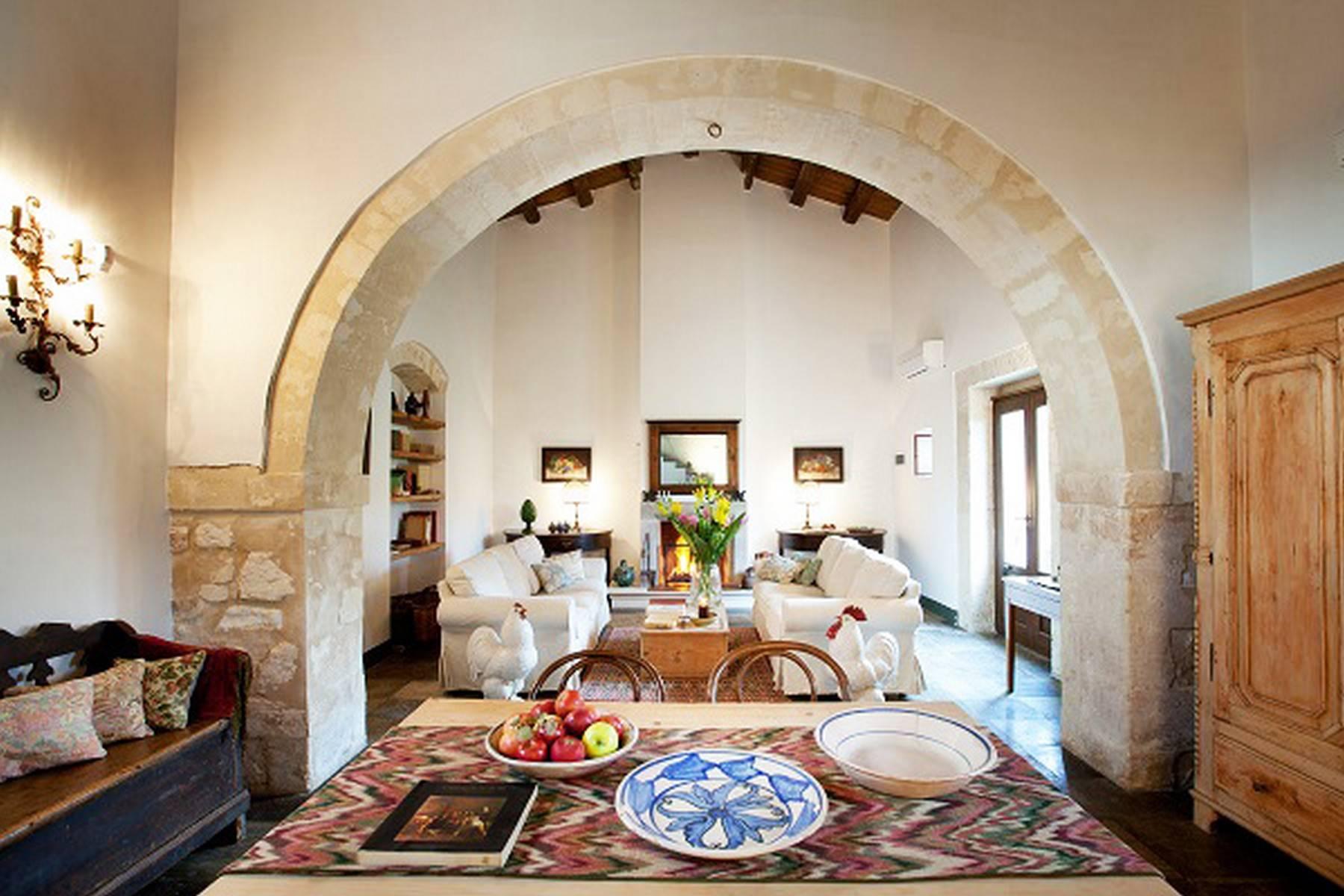 Charmante historische Villa auf dem Land von Ragusa - 2