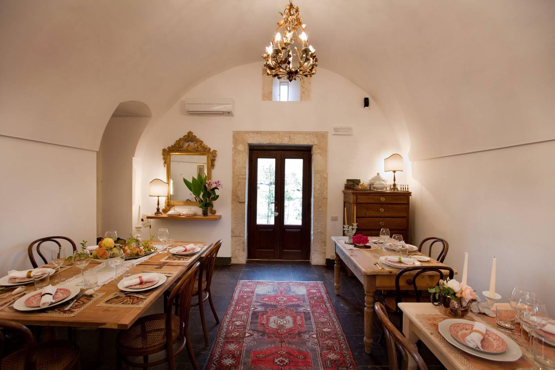 Charmante historische Villa auf dem Land von Ragusa - 7